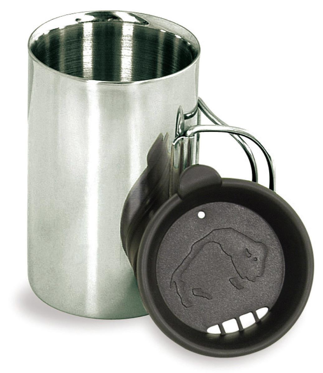 Термокружка с крышкой Tatonka Thermo, 0,35 л67742Термокружка Tatonka Thermo из нержавеющей стали со складными ручками и крышкой. Удобна в транспортировке. Кружка остается комфортной и прохладной снаружи, даже когда внутри кипяток. Крышка имеет специальные отверстия для питья. Это позволяет пить любимые напитки, не вынимая крышку, и напиток дольше не остывает. Внутри расположена мерная шкала.Высота кружки: 11,5 см.Диаметр кружки без учета ручки: 7,5 см.