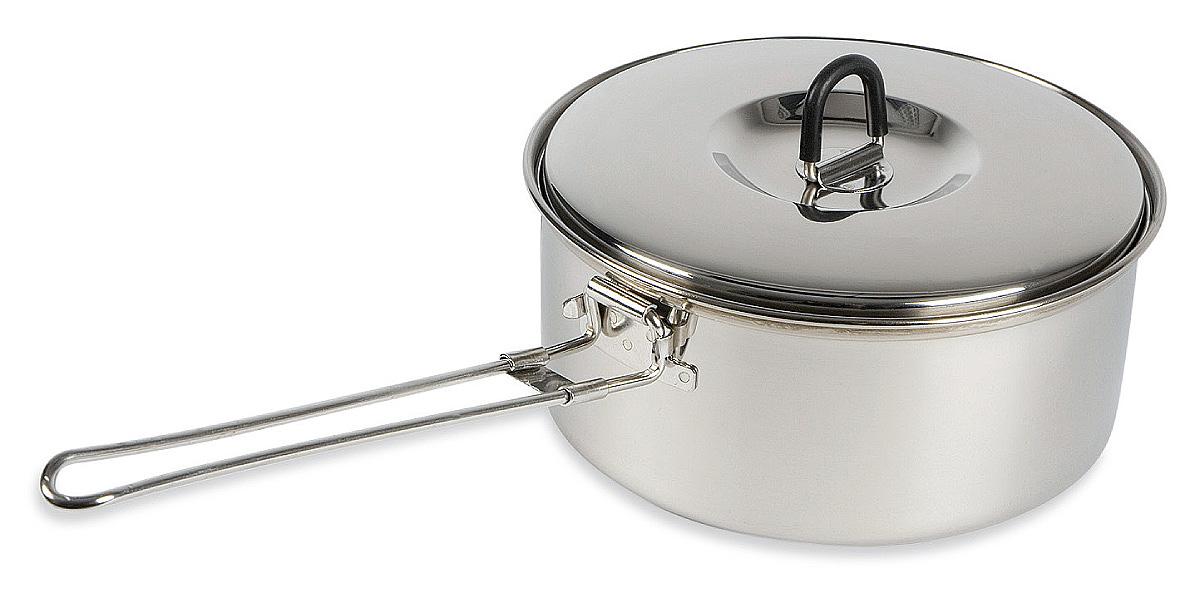 Кастрюля Tatonka Sherpa Pot, 1 лAS009Универсальная кастрюля Tatonka Sherpa Pot с крышкой. Выполнена из высококачественной нержавеющей стали 18/8, которая отлично распределяет тепло во время готовки, легко чистится, долговечна. Кастрюля оснащена удобной ручкой, которая в собранном положении фиксирует крышку.Диаметр кастрюли: 16,5 см.Высота кастрюли: 7 см.