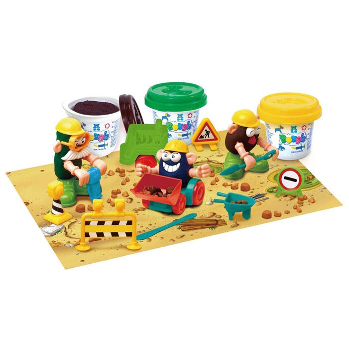 Playgo Набор для лепки Under Construction72523WDНабор для лепки Playgo Under Construction представляет собой сочетание моделирования и игры. Набор включает в себя: 3 баночки массы для лепки по 56 г (желтый, зеленый, коричневый), стек для моделирования, набор знаков, набор пластиковых частей и аксессуаров для создания игрушек, машинка, игровая фоновая сцена. Входящая в набор пластилиновая масса разработана специально для детей, очень мягкая, приятно пахнет, ее не надо разминать перед лепкой.Пластилин быстро высыхает, не имеет запаха, не липнет к рукам и одежде, легко смывается, а так же легко смешивается, что позволяет получать новые цвета. На крышечках баночек имеются трафареты с помощью которых ваш ребенок сможет легко самостоятельно сделать фигурку. Стек выполнен из пластика и не имеет острых концов, что безопасно для вашего малыша. С его помощью он сможет легко и быстро разрезать массу. Набор пластиковых частей и аксессуаров для создания игрушек и игровая фоновая сцена помогут создать и оживить фигурки.Работа с пластилином развивает мелкую моторику пальцев малыша, пространственное воображение, фантазию.