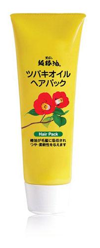 Kurobara Маска Tsubaki Oil Чистое масло камелии для восстановления поврежденных волос с маслом камелии 280 грMP59.4DМаска рекомендуется для тонких, сухих, ломких волос, а также волос, повреждённых окрашиванием и химической завивкой. За счёт входящего в состав масла семян камелии маска смягчает и питает волосы, компенсирует потерю естественной влаги, сглаживает поверхность волос, повышает прочность и эластичность, возвращает здоровый блеск тусклым безжизненным волосам.Благодаря удивительному свойству проникать в структуру волосяного стержня, масло восстанавливает повреждённые участки кутикулы волоса, усиливает защиту хрупких и ломких волос, препятствует появлению секущихся кончиков, повышает прочность и эластичность. Применение маски в комплексе с шампунем способствует восстановлению повреждённых волос за счёт глубокого проникновения активных компонентов маски в структуру волоса. Усиливает защиту хрупких, ломких, секущихся волос, смягчает и питает тонкие, ослабленные внешними воздействиями волосы.