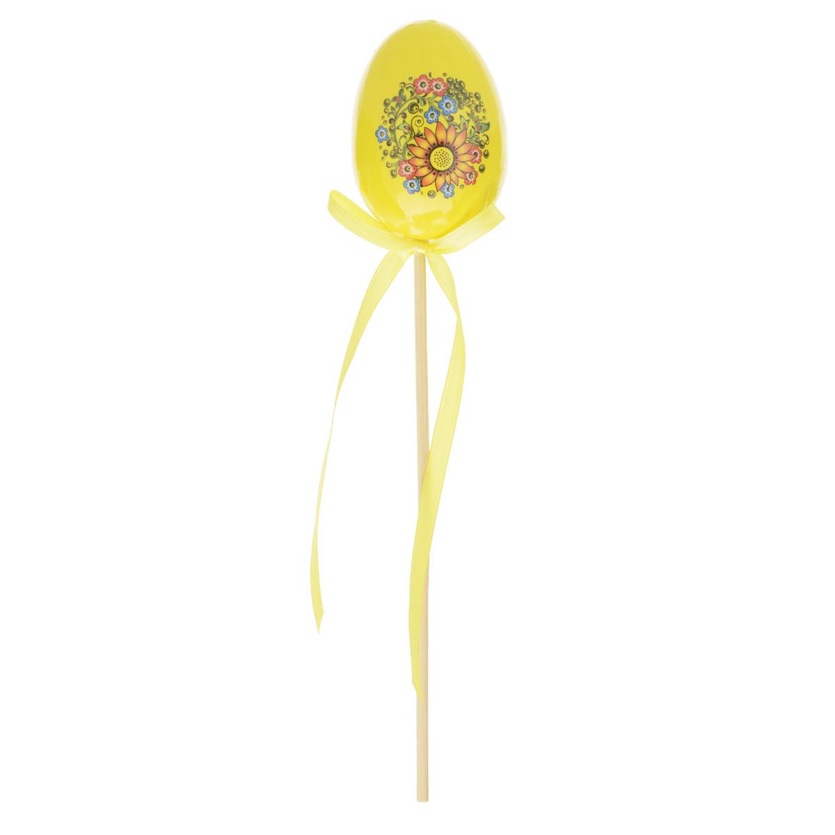 Декоративное украшение на ножке Home Queen Яйцо, цвет: желтый, высота 25 смC0038550Декоративное украшение Home Queen Яйцо выполнено из пенопласта, ламинированной бумаги в виде пасхального яйца на деревянной ножке, декорированного цветочным рисунком. Изделие украшено текстильной лентой. Такое украшение прекрасно дополнит подарок для друзей или близких. Высота: 25 см. Размер яйца: 7 см х 5 см.Материал: пенопласт, ламинированная бумага.