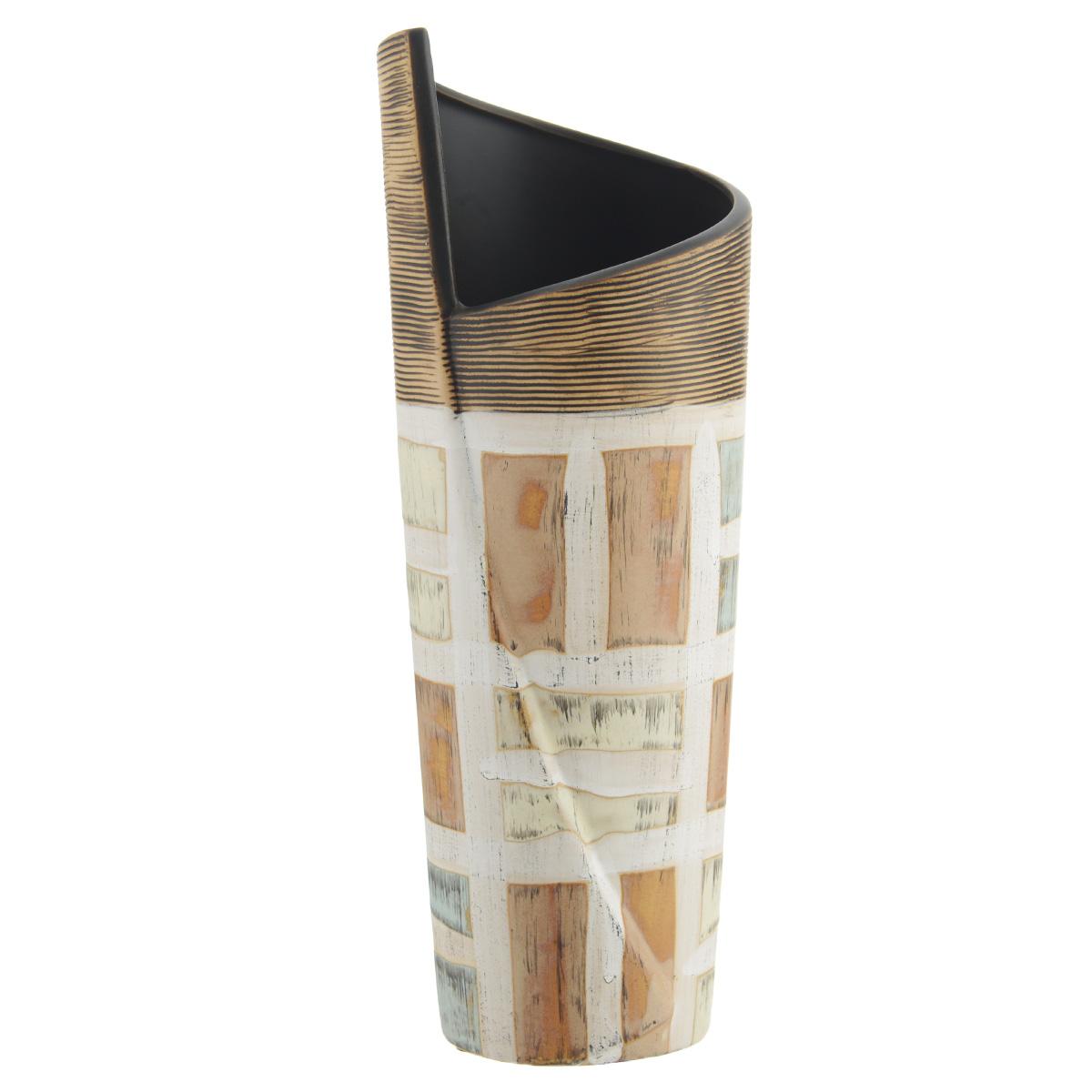 Ваза декоративная Геометрия M, высота 30,5 см8KG31/0/99T41/280Элегантная ваза Геометрия M выполнена из высококачественного глазурованного фаянса и украшена и украшена оригинальным рисунком. Изделие имеет прорезиненные ножки, предотвращающие скольжение ее по поверхности. Оригинальная ваза Геометрия M придется по вкусу и ценителям классики, и тем, кто предпочитает утонченность и изящность. Вы можете поставить вазу в любом месте, где она будет удачно смотреться и радовать глаз. Такая ваза подойдет и для цветов, и для декора интерьера. Кроме того - это отличный вариант подарка для ваших близких и друзей. Диаметр вазы (по верхнему краю): 10 см. Высота вазы: 30,5 см.