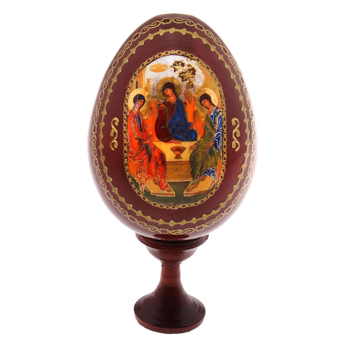 Яйцо декоративное Sima-land Троица, на подставке, высота 14,5 см119894Декоративное яйцо Sima-land Троица изготовлено из дерева с лаковым покрытием. Яйцо оформлено изображением Святой Троицы и золотыми узорами. Изделие располагается на деревянной подставке. Декоративное яйцо Sima-land Троица принесет в ваш дом ощущение торжества, душевного уюта и станет идеальным подарком на Пасху. Диаметр яйца: 7,5 см. Высота яйца: 10,5 см. Размер подставки: 3,2 см х 3,2 см х 4 см.
