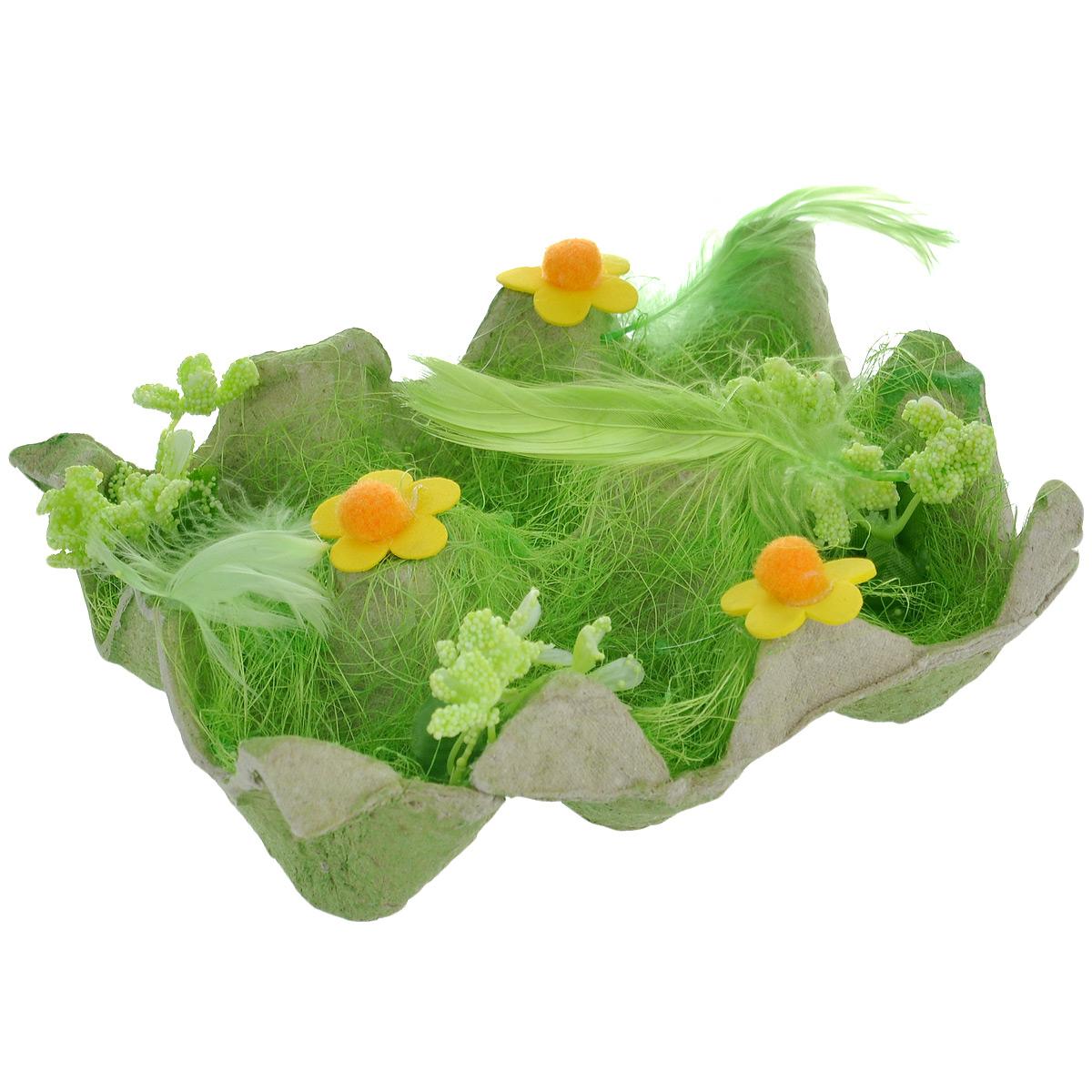 Подставка декоративная Home Queen Полянка, для 6 яиц, цвет: зеленый, 14 см х 9 см х 4 см023340-660Декоративная подставка для яиц Home Queen Полянка изготовлена из плотного картона, оформлена сизалем, декорирована пером и цветочками. Изделие имеет 6 выемок для хранения яиц. Идеальный вариант для Пасхи. Такая подставка красиво оформит праздничный стол и создаст особое настроение.