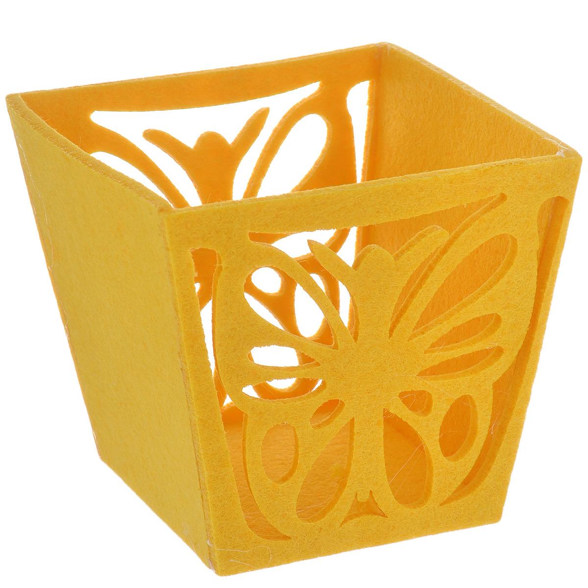 Корзинка декоративная Home Queen Бабочка, цвет: желтый, 14 см х 13 см х 12 см55052Декоративная корзина Home Queen Бабочка, выполненная из фетра, предназначена для хранения различных мелочей и аксессуаров. Изделие имеет красивую перфорацию в виде бабочки.Такая корзина станет оригинальным и необычным подарком или украшением интерьера. Размер корзины: 14 см х 13 см х 12 см.Размер дна: 10 см х 9,5 см.