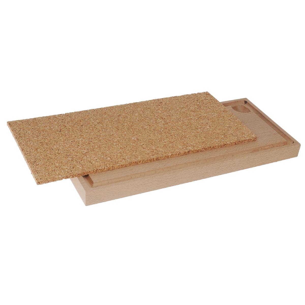 Доска для копчения, 34 см х 15 см х 2,2 см93-PIC-72-1Доска предназначена для копчения. На ней удобно готовить рыбу, мясо, птицу. Выполнена из бука с подставкой из пробкового дерева. Нет необходимости перекладывать в блюдо, можно подавать сразу на доске. Пробковая доска используется как подставка под горячее.Способ применения: перед первым использованием смазать доску оливковым маслом. Поместить доску в печь с температурой 100°С на два часа. Удалить с доски избыток масла. Бук, пробковое дерево