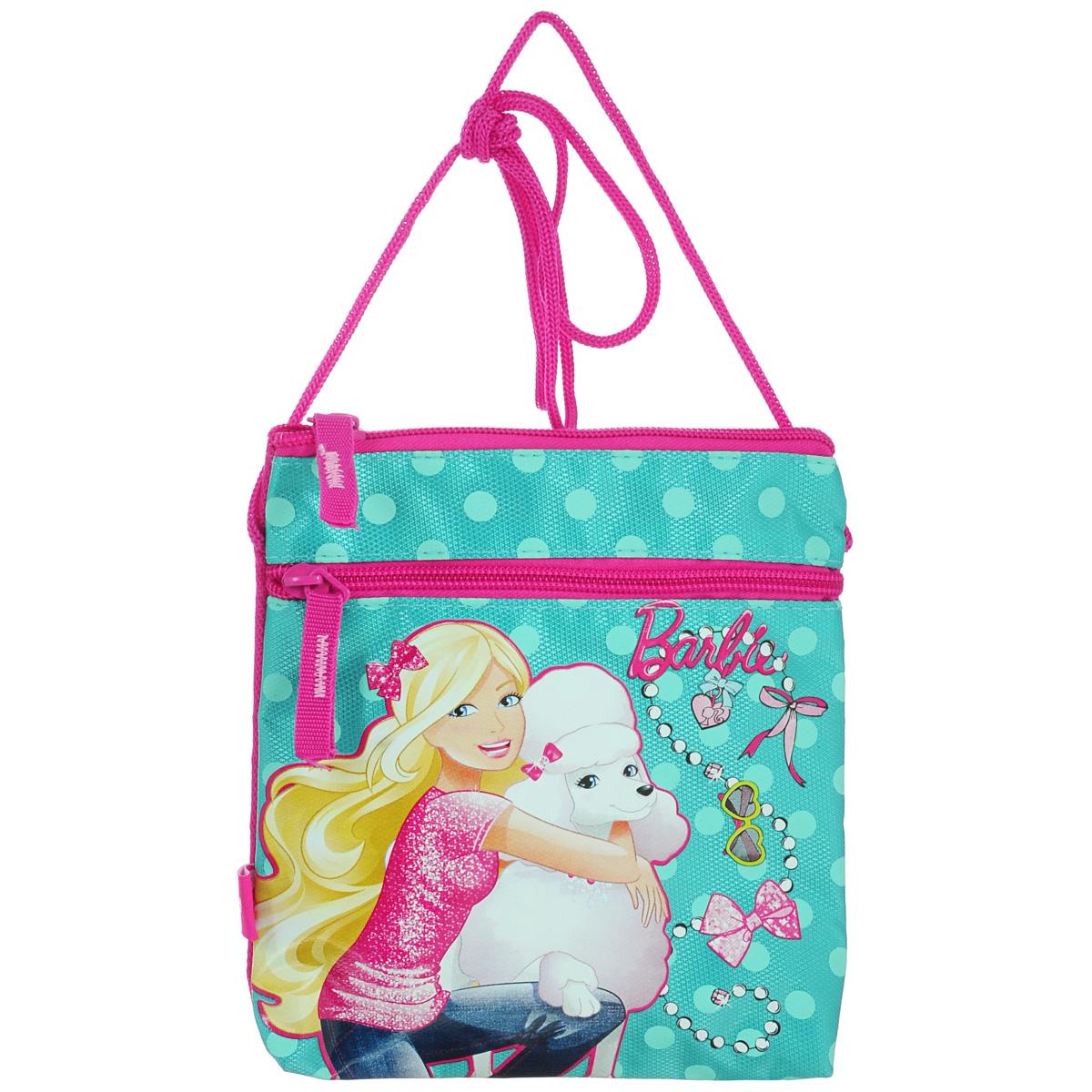 Сумка детская на плечо Barbie, цвет: бирюзовый, розовый71069с-2Детская сумка Barbie выполнена из прочного полиэстера и оформлена термоаппликацией с изображением Барби, обнимающей белого пуделя. Сумочка содержит одно отделение и закрывается на застежку-молнию. На лицевой стороне расположен прорезной карман на застежке-молнии.Сумочка оснащена шнурком для переноски.Рекомендуемый возраст: от 3 лет.