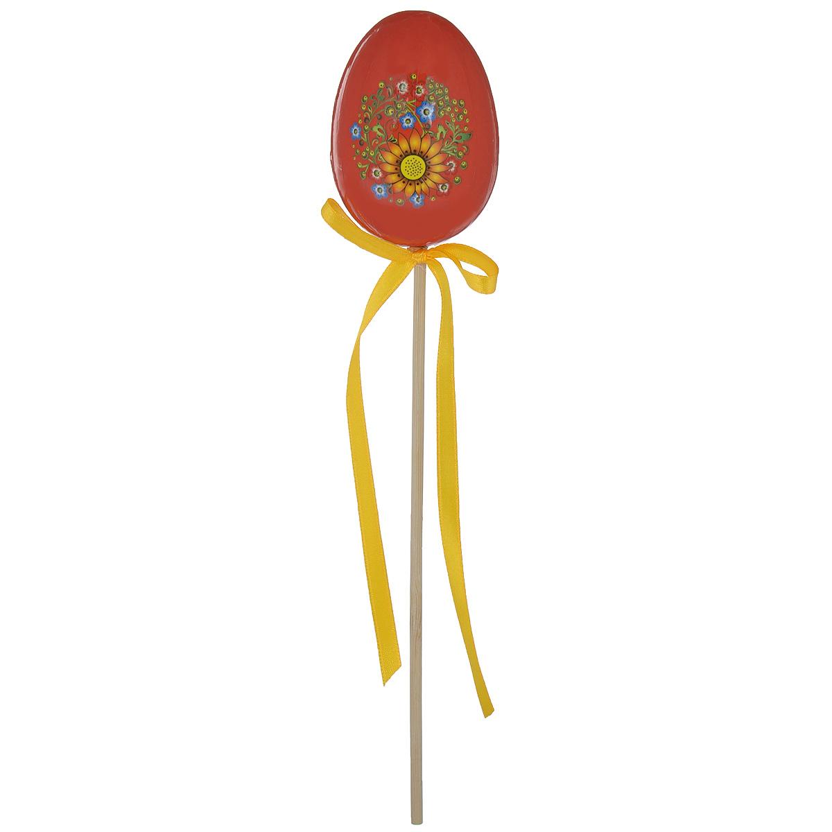 Декоративное украшение на ножке Home Queen Яйцо, цвет: красный, высота 25 см09840-20.000.00Декоративное украшение Home Queen Яйцо выполнено из пенопласта, ламинированной бумаги в виде пасхального яйца на деревянной ножке, декорированного цветочным рисунком. Изделие украшено текстильной лентой. Такое украшение прекрасно дополнит подарок для друзей или близких. Высота: 25 см. Размер яйца: 7 см х 5 см.Материал: пенопласт, ламинированная бумага.