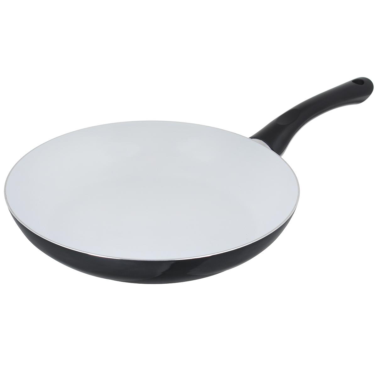 Сковорода Bekker, с керамическим покрытием, цвет: черный. Диаметр 28 см. BK-3704300074_ежевикаСковорода Bekker изготовлена из алюминия с внутренним керамическим покрытием. Благодаря этому пища не пригорает и не прилипает к стенкам. Готовить можно с минимальным количеством масла и жиров. Гладкая поверхность обеспечивает легкость ухода за посудой. Внешнее покрытие - цветной жаростойкий лак. Изделие оснащено удобной бакелитовой ручкой, которая не нагревается в процессе готовки.Сковорода подходит для использования на всех типах кухонных плит, кроме индукционных, а также ее можно мыть в посудомоечной машине. Высота стенки: 5 см.Толщина стенки: 2,5 мм.Толщина дна: 2,5 мм.Длина ручки: 18 см.Диаметр основания: 20 см.