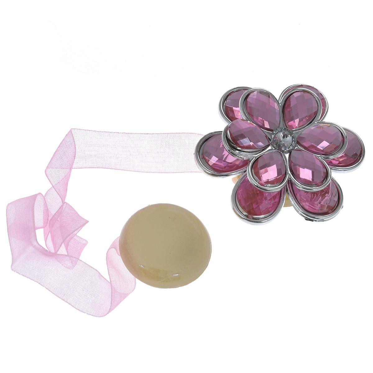 Клипса-магнит для штор Calamita Fiore, цвет: розовый. 7704021_551CLP446Клипса-магнит Calamita Fiore, изготовленная из пластика и текстиля, предназначена для придания формы шторам. Изделие представляет собой два магнита, расположенные на разных концах текстильной ленты. Один из магнитов оформлен декоративным цветком. С помощью такой магнитной клипсы можно зафиксировать портьеры, придать им требуемое положение, сделать складки симметричными или приблизить портьеры, скрепить их. Клипсы для штор являются универсальным изделием, которое превосходно подойдет как для штор в детской комнате, так и для штор в гостиной. Следует отметить, что клипсы для штор выполняют не только практическую функцию, но также являются одной из основных деталей декора этого изделия, которая придает шторам восхитительный, стильный внешний вид.Диаметр декоративного цветка: 5 см.Диаметр магнита: 2,5 см.Длина ленты: 25 см.