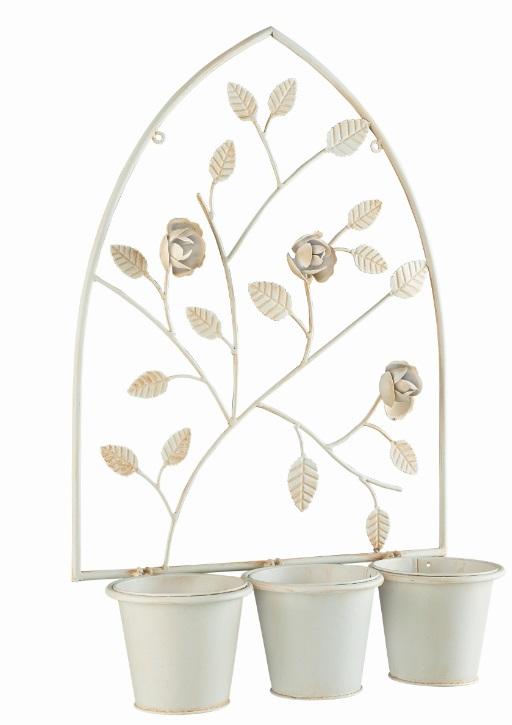 Кашпо настенное Gardman English Rose, на 3 горшка, 55 см х 40 смZ-0307Настенное кашпо Gardman English Rose, изготовленное из нержавеющей стали с покрытием белого цвета, представляет собой арку с тремя подвесными горшками. Арка оформлена объемными фигурками в виде листочков и бутонов роз. В верхней части имеются небольшие отверстия, с помощью которых вы сможете повесить кашпо в доме или саду. Кашпо часто становятся последним штрихом, который совершенно изменяет интерьер помещения или ландшафтный дизайн сада. Благодаря такому кашпо вы сможете украсить вашу комнату, офис или сад. Товары для садоводства от Gardman - это вещи, сделанные с любовью, с истинно английской практичностью, основанной на глубоких традициях садоводства Великобритании. Эти товары широко известны садоводам Европы, США, Канады и Японии. Демократичные цены и продуманный ассортимент Gardman завоевал признательность и российского покупателя, достойного хороших, качественных вещей. В ассортименте Gardman есть практически все, что нужно современному садоводу - от совочка для рассады до предметов декора и ландшафтного дизайна. Диаметр горшка по верхнему краю: 12 см. Диаметр основания горшка: 8,5 см. Высота горшка: 10,5 см. Размер арки: 55 см х 40 см.