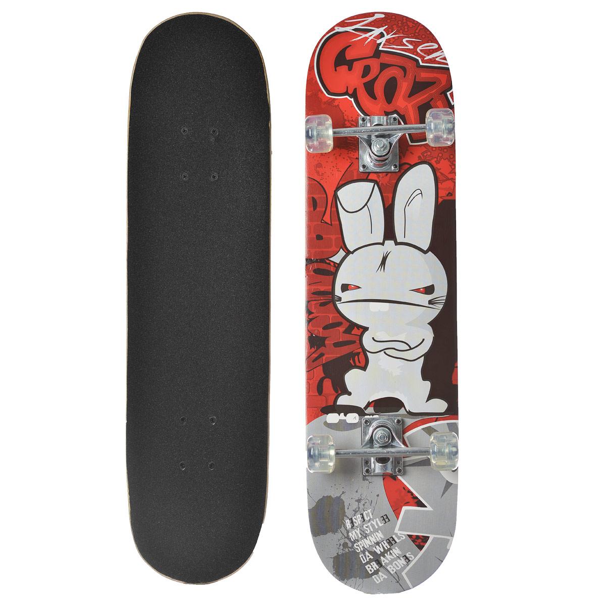 Скейтборд Larsen, дека 79 см х 20 см. SB-1333752Скейтборд Larsen - отличный выбор для начинающих и опытных скейтбордистов, а также для людей, любящих активно проводить время. Скейтборд изготовлен из натурального китайского клена, имеет прочную алюминиевую подвеску.В последнее время экстремальные виды спорта, такие как катание на скейтборде, становятся очень популярными. Скейтбординг - это зрелищный и экстремальный вид спорта, представляющий собой катание на роликовой доске с преодолением препятствий и выполнением различных трюков.
