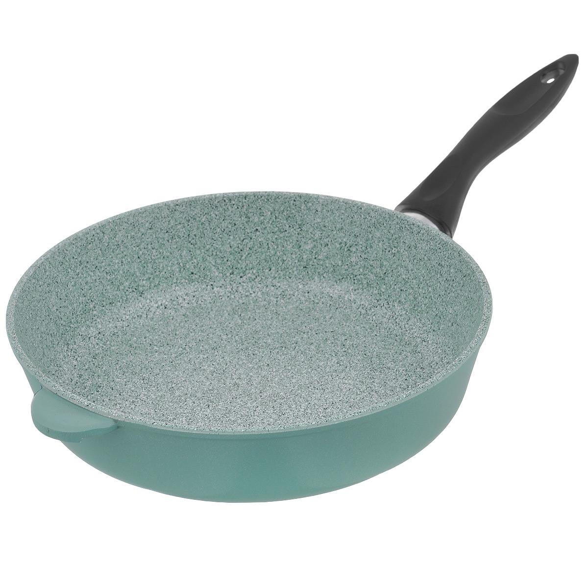 Сковорода Любава Эко, с керамическим покрытием, керамогранит, цвет: зеленый, черный. Диаметр 28 смFS-80299Сковорода Любава Эко с высокими бортами изготовлена из литого алюминия методом ручного литья. Сковорода имеет внутреннее керамическое антипригарное покрытие, и внешнее покрытие - пироскан. Метод нанесения - напыление. Керамическое антипригарное покрытие состоит из натуральных компонентов, не выделяет вредных веществ. Пироскан - материал для внешнего покрытия на основе термостойких смол, устойчив к загрязнениям и легко моется. Сковорода оснащена эргономичной несъемной пластиковой ручкой. Материал сковороды не содержит вредных веществ, в том числе ПФОА, свинца и кадмия. Сковорода обладает такими качественными характеристиками, как высокая теплоотдача, долговечность и надежность. Сковороду можно использовать на газовых, электрических, стеклокерамических плитах. Не подходит для индукционных плит.Диаметр сковороды (по верхнему краю): 28 см.Высота стенки сковороды: 7 см. Толщина стенки сковороды: 4,5 мм. Толщина дна сковороды: 7 мм. Длина ручки: 19,5 см.