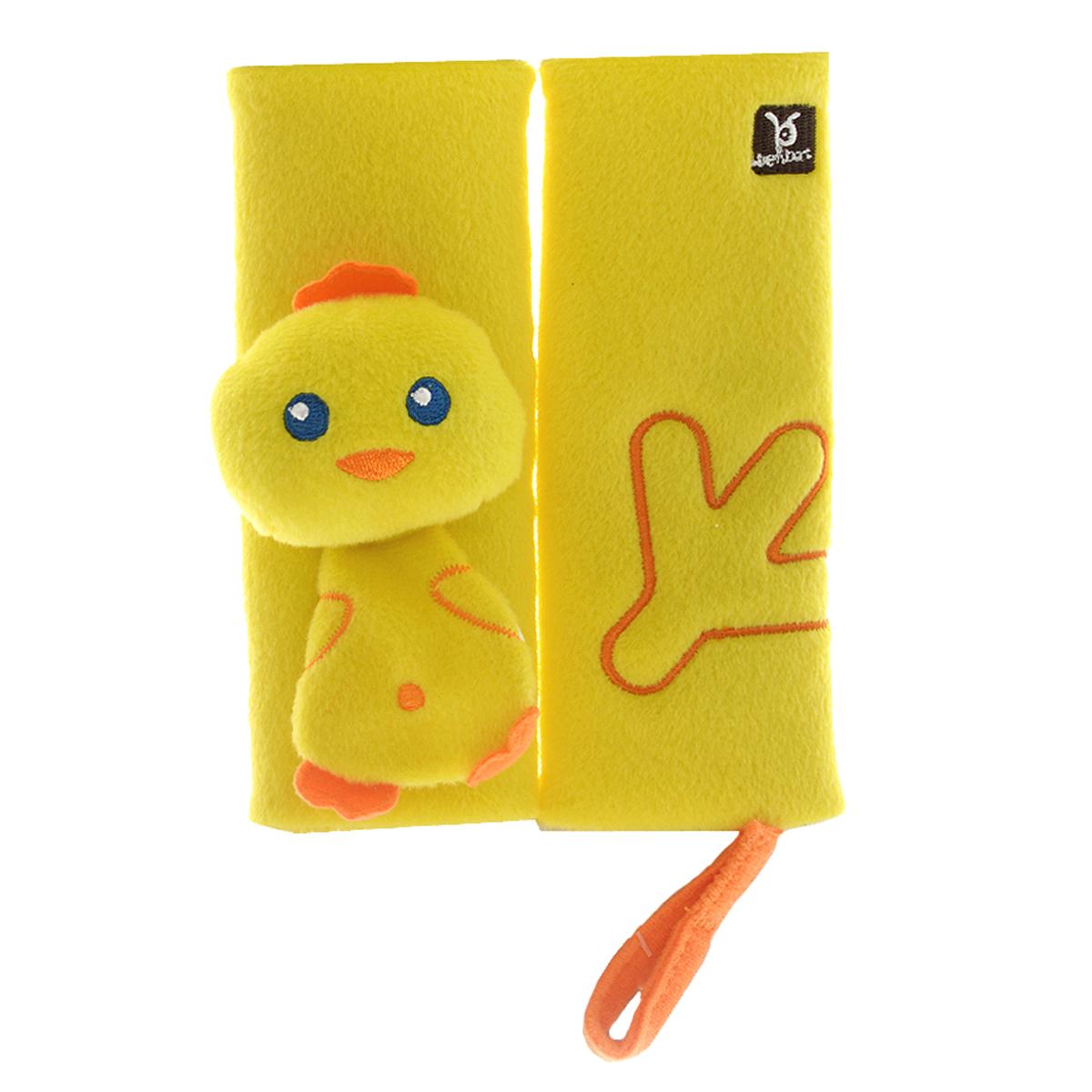 """Накладка для ремня безопасности BenBat """"Цыпленок"""" поможет вашему ребенку провести время в путешествии с максимальным комфортом. Мягкая и удобная накладка не позволит ремню пережимать и стягивать шею и грудь вашего малыша, препятствуя натиранию тугим и жестким ремнем. Накладка выполнена из двух мягких элементов, которые крепятся к ремням безопасности с помощью двух липучек. Один элемент оформлен объемной головой цыпленка и туловищем, в котором спрятан шуршащий элемент. На другом элементе - вышитая лапка цыпленка. Накладка оснащена текстильной петлей на липучке, с помощью которой вы сможете закрепить соску или погремушку. Накладка предназначена для детей в возрасте от 0 до 12 месяцев."""