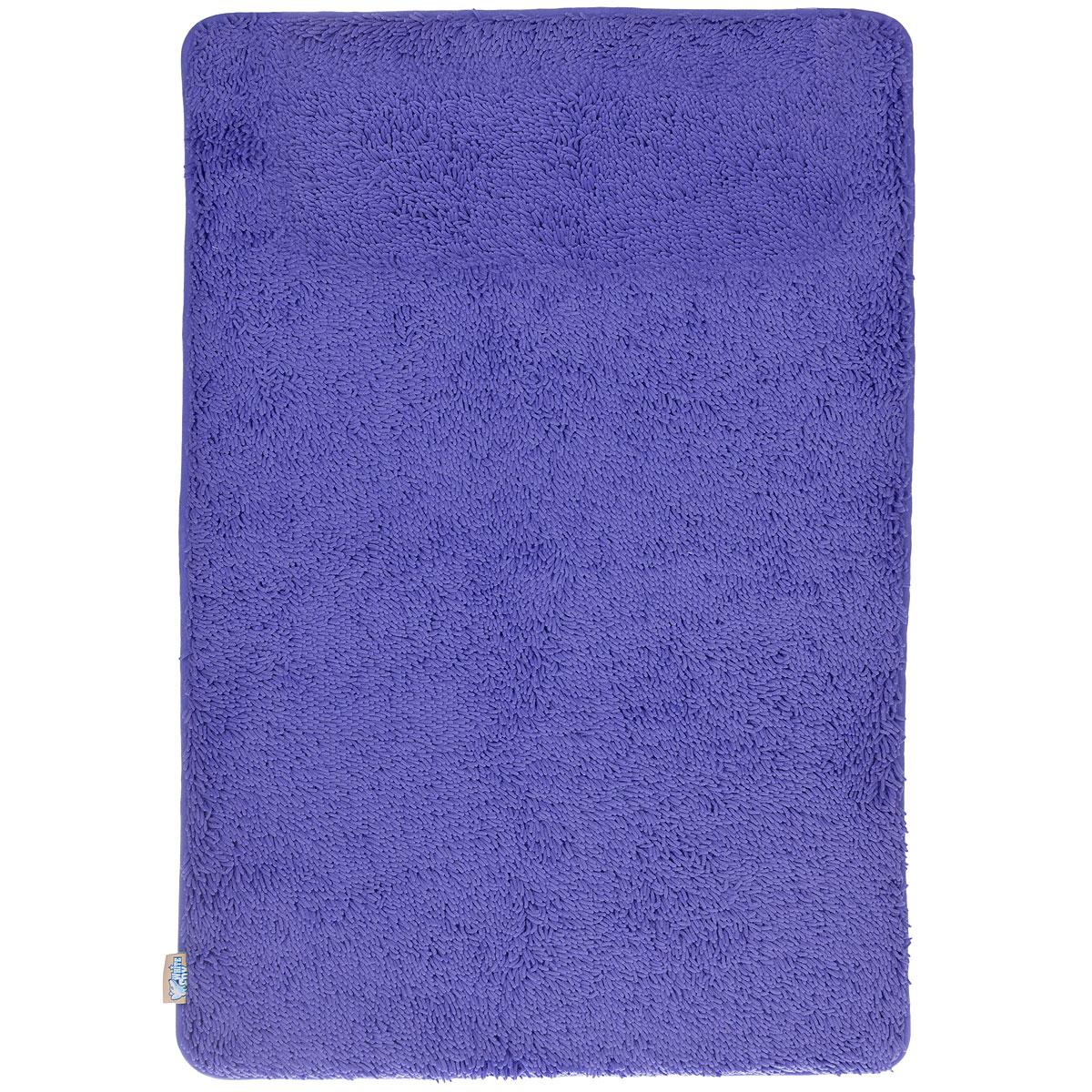 Коврик для ванной White Fox Relax, цвет: синий, 60 см х 90 см391602Коврик для ванной White Fox Relax с ворсом подарит настоящий комфорт до и после принятия водных процедур. Коврик состоит из трех слоев: - верхний флисовый слой прекрасно дышит, благодаря чему коврик быстро высыхает; - основной слой выполнен из специального вспененного материала, который точно повторяет рельеф стопы, создает комфорт и полностью восстанавливает первоначальную форму; - нижний резиновый слой препятствует скольжению коврика на влажном полу.Коврик White Fox Relax с ворсом равномерно распределяет нагрузку на всю поверхность стопы, снимая напряжение и усталость в ногах. Рекомендации по уходу: - можно стирать в стиральной машине при +30°C; - не отбеливать; - не гладить; - можно подвергать химчистке; - деликатные отжим и сушка.Высота ворса: 1,3 см.