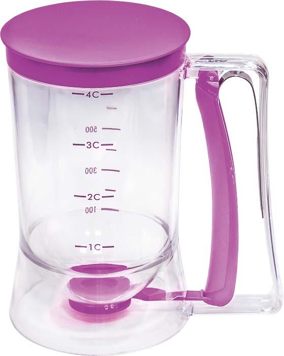 Диспенсер для теста Marmiton, цвет: фиолетовый, прозрачный, 900 млWLT-1907-1300Диспансер Marmiton, изготовленный из пластика, предназначен для точной дозировки жидкого теста. Емкость дозатора составляет 900 мл, что соответствует четырем стаканам теста. С помощью этого не хитрого приспособления вы приготовите кексы, блинчики, оладьи, булочки и другие кулинарные изделия одинакового размера. При этом ваша кухня останется чистой, а тесто будет использовано до последней капли!Прозрачная емкость, на стенках которой имеется мерная шкала, оснащена пластиковой крышкой. Ручка дозатора имеет цветной рычаг, нажав на который, в емкости откроется отверстие для дозирования. Объем: 900 мл. Размер диспансера (с учетом ручки): 18 см х 11,5 см х 18,5 см. Диаметр дозатора (по верхнему краю): 9,5 см. Диаметр дозирующего отверстия: 1,5 см.