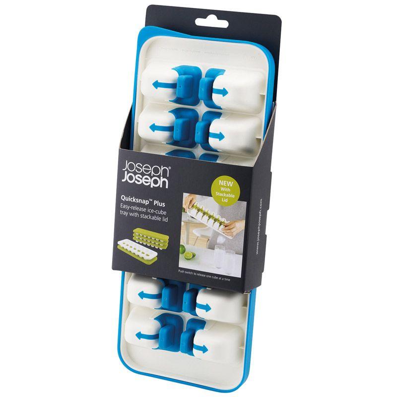 Форма для льда Joseph Joseph Quick Snap Plus с крышкой, цвет: голубой, 14 ячеекVT-1520(SR)Форма для льда Joseph Joseph Quick Snap Plus, изготовленная из высококачественного пластика, оснащена крышкой и 14 ячейками для приготовления льда. Иногда из формы для льда сложно достать один конкретный кубик: они либо высыпаются все, либо ни одного. В этой форме каждая ячейка оснащена специальной силиконовой кнопкой, которая позволяет точечно достать отдельные льдинки и отправить их сразу в стакан. Для того чтобы достать кубик льда, нужно просто нажать на кнопочку на дне формы, и лед упадет туда, куда нужно. Герметичная крышка позволяет предотвратить разлив воды и защищает лед от запахов других продуктов в морозильнике.Можно мыть в посудомоечной машине.Размер ячейки: 5 см х 3,5 см х 3 см.