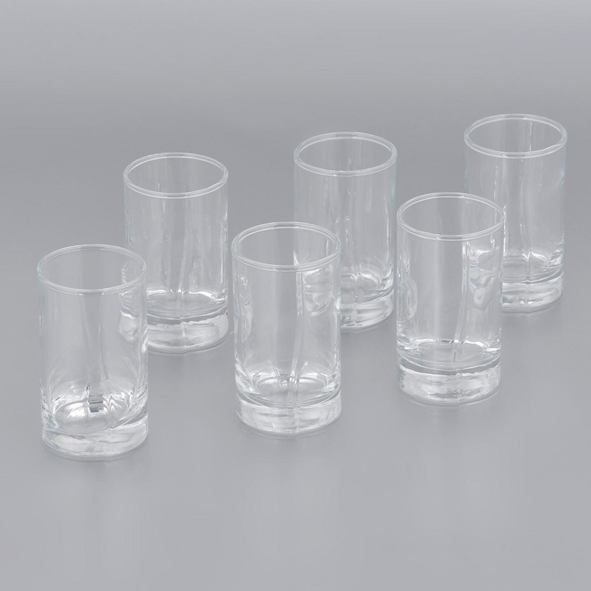 Набор стопок Pasabahce Luna, 60 мл, 6 штVT-1520(SR)Набор Pasabahce Luna, выполненный из прочного натрий-кальций-силикатного стекла, состоит из шести стопок. Стопки, оснащенные утолщенным дном, прекрасно подойдут для подачи водки или ликера. Эстетичность, функциональность и изящный дизайн сделают набор достойным дополнением к вашему кухонному инвентарю. Набор стопок Pasabahce Luna украсит ваш стол и станет отличным подарком к любому празднику. Можно использовать в микроволновой печи и мыть в посудомоечной машине.Диаметр стопки по верхнему краю: 4 см. Высота стопки: 7 см.