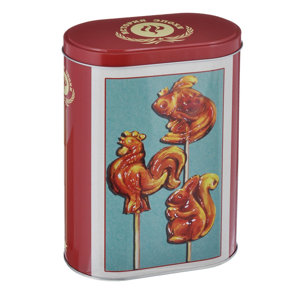 Банка для сыпучих продуктов Феникс-презент Петушки, 1,5 лVT-1520(SR)Банка для сыпучих продуктов Феникс-презент Петушки, изготовленная из металла, декорирована изображением леденцов-петушков. Банка оснащена плотно закрывающейся крышкой с откидным механизмом. Благодаря этому внутри сохраняется герметичность, и продукты дольше остаются свежими. Изделие предназначено для хранения различных сыпучих продуктов: круп, чая, сахара, орехов и многого другого. Функциональная и вместительная, такая банка станет незаменимым аксессуаром на любой кухне. Нельзя мыть в посудомоечной машине. Объем: 1,5 л.Размер (по верхнему краю): 13,5 см х 7,5 см.Высота банки (без учета крышки): 19 см.