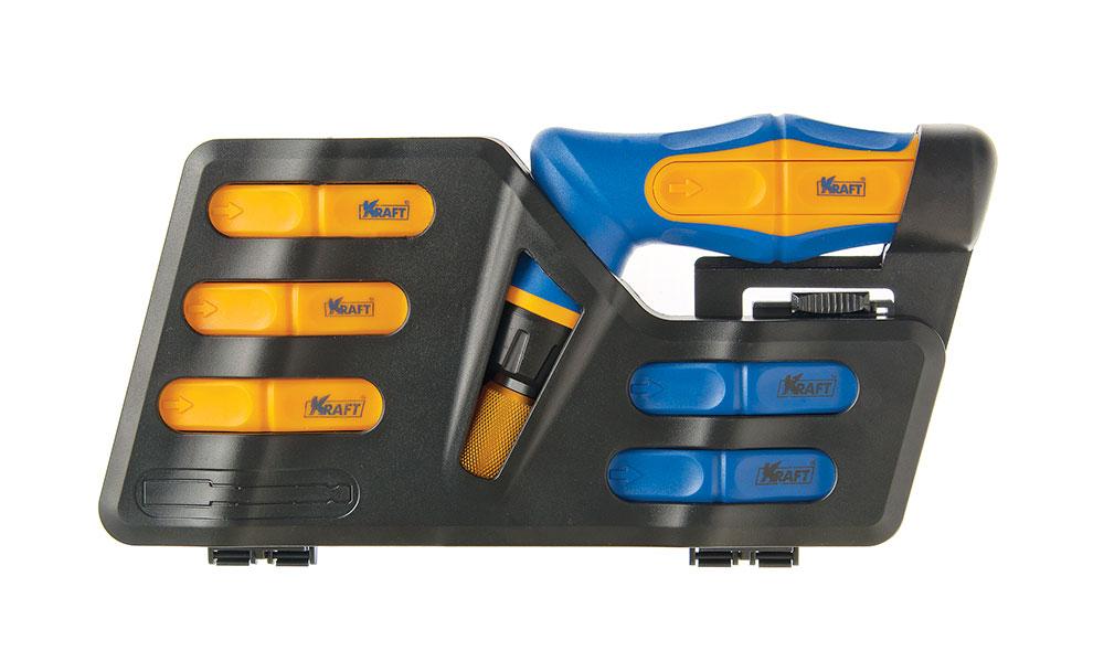 Набор инструментов Kraft Professional, 41 предмет98298130Набор инструментов Kraft Professional предназначен для монтажа/демонтажа резьбовых соединений. В комплект входит рукоятка с резиновыми вставками. Все инструменты выполнены из высококачественной из высококачественной стали.Состав набора:Рукоятка реверсивная.Биты шлицевые: 3 мм, 2 х 4 мм, 2 х 5 мм, 5 мм, 6 мм, 7 мм.Биты Philips: PH0, 2 x PH1, 2 x PH2, PH3.Биты Pozidriv: PZ0, PZ1, PZ2, PZ3.Биты Torx: T10, T15, T20, T25, T27, T30, T40.Биты Hex: H3, H4, H5, H6.Биты четырехгранные: S0, S1, S2, S3.Переходник.Держатель намагниченный: 125 мм.Торцевые головки 1/4: 5 мм, 6 мм, 7 мм, 8 мм, 9 мм, 10 мм.