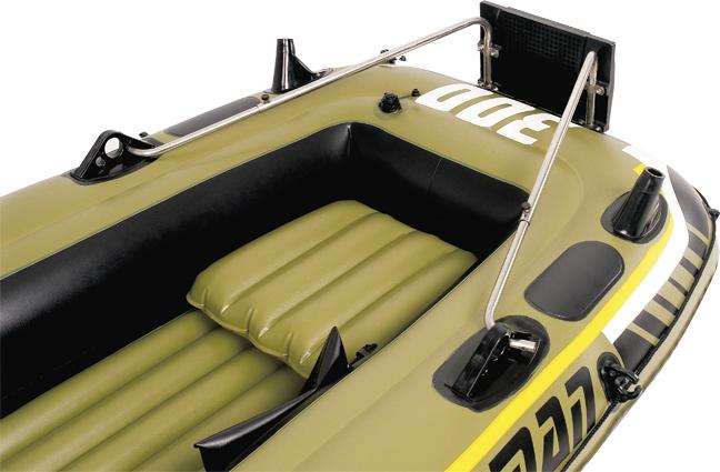Транец навесной Jilong, для лодок серии Fishman95940-905Навесной транец Jilong используется с надувными лодками серии Fishman.Особенности:Пластиковый кронштейнСтальные держателиДля моторов до 3 л. с.