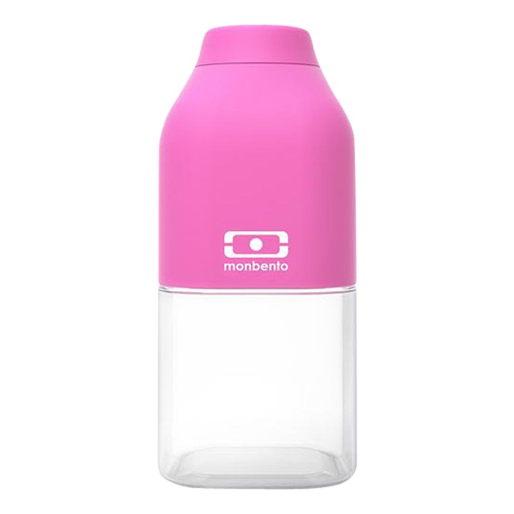 Бутылка для воды Monbento Positive, цвет: розовый, 330 млCK Ladies Lux 2012-2013 White TricotБутылка для воды Monbento Positive изготовлена из безопасного пищевого пластика (BPA free). Одна половина бутылки - прозрачная, вторая оснащена цветным покрытием Soft touch, благодаря чему ее приятно держать в руке. Изделие оснащено герметичной закручивающейся крышкой. Такая идеальная бутылка небольшого размера, но отличной вместимости наполняет оптимизмом, даря заряд позитива и хорошего настроения.Многоразовая бутылка пригодится в спортзале, на прогулке, дома, на даче - в общем, везде! Забудьте про одноразовые пластиковые емкости - они некрасивые, да и засоряют окружающую среду. А такая красота в руках точно привлечет взгляды окружающих.Нельзя мыть в посудомоечной машине.Высота бутылки (с учетом крышки): 13,5 см.Размер дна: 6 см х 6 см.