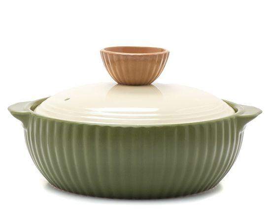 Жаровня керамическая Frybest Valley с крышкой, цвет: зеленый, 2,1 л61361Жаровня Frybest Valley изготовлена из экологически чистой жаропрочной керамики. Идеальна для приготовления блюд, требующих длительного томления. Благодаря инновационному покрытию Ecolon пища не пригорает и не прилипает. Дизайн жаровни разработан так, чтобы теплообмен внутри нее был максимально эффективным. Устойчивое к царапинам жаропрочное керамическое покрытие дополняет антибактериальный слой. Керамическая крышка жаровни имеет отверстие для выпуска пара.Жаровня оснащена двумя небольшими ручками для удобного хвата.Жаровня Frybest Valley прекрасно подойдет для запекания и тушения овощей, мяса и других блюд, а оригинальный дизайн и яркое оформление украсят ваш стол.Можно мыть в посудомоечной машине. Жаровня предназначена для использования на газовой и электрической плитах, в духовке и микроволновой печи. Не подходит для индукционных плит.Высота стенки: 8 см.Ширина жаровни (с учетом ручек): 27 см.Толщина дна: 1 см.Толщина стенки: 0,9 см.Высота жаровни (с учетом крышки): 15 см.