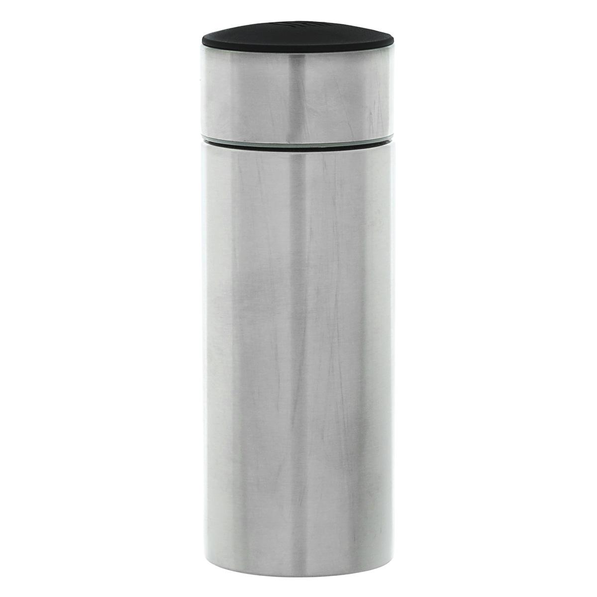 Термос-мини Iris Barcelona, 200 млVT-1520(SR)Термос-мини Iris Barcelona - очень удобный и практичный предмет, который поможет вам насладиться любимым напитком где угодно. Термос выполнен из высококачественной нержавеющей стали. Оснащен широким горлом и плотно закрывающейся крышкой с резьбой. Благодаря двойным стенкам, термос сохраняет температуру напитка до 5,5 часов. Подходит как для холодных, так и для горячих напитков. Основание прорезиненное. Компактные размеры позволят уместить его даже в самой маленькой сумке. Его можно взять с собой на отдых, на работу или учебу, на прогулку, в путешествие. Диаметр: 5,5 см. Высота (с крышкой): 15 см.