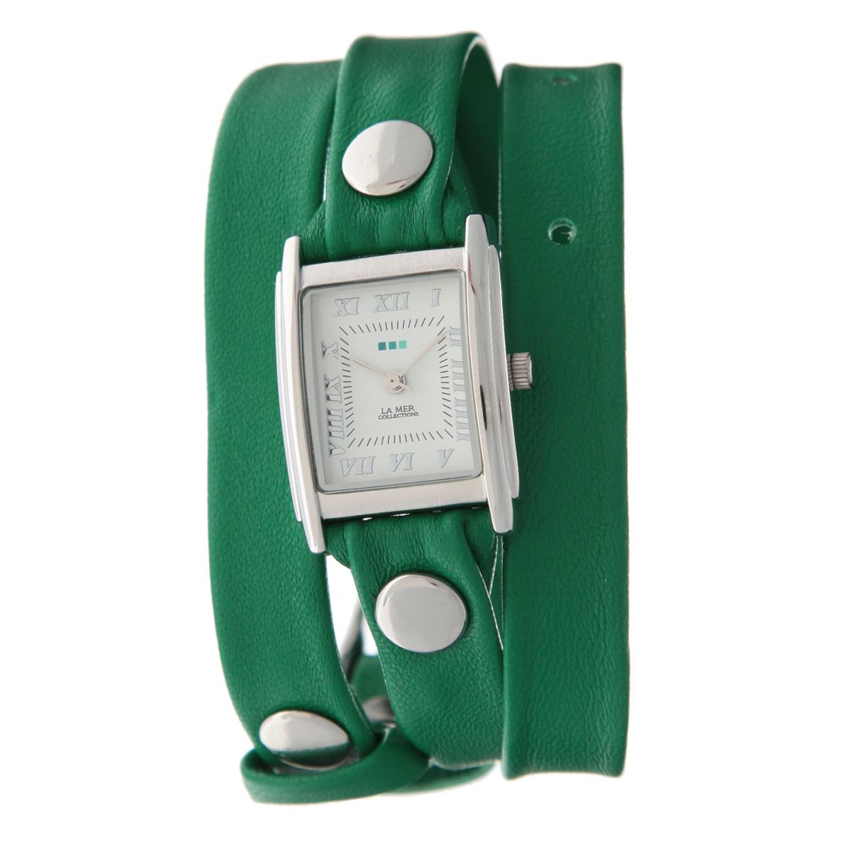 Часы наручные женские La Mer Collections Simple Kelly Green/Silver. LMSTW1012x408450нЖенские наручные часы  La Mer Collections позволят вам выделиться из толпы и подчеркнуть свою индивидуальность. Часы оснащены японским кварцевым механизмом Seiko. Ремешок выполнен из натуральной итальянской кожи и декорирован металлическими заклепками. Корпус часов изготовлен из сплава металлов, серебристого цвета. Циферблат оснащен часовой, минутной и секундной стрелками и защищен минеральным стеклом. Часы застегиваются на классическую застежку. Часы хранятся на специальной подушечке в футляре из искусственной кожи, крышка которого оформлена логотипом компании La Mer Collection. Характеристики: Размер циферблата: 25 х 23 х 8 мм. Размер ремешка: 550 х 13 мм. Не содержат никель. Не водостойкие. Собираются вручную в США.