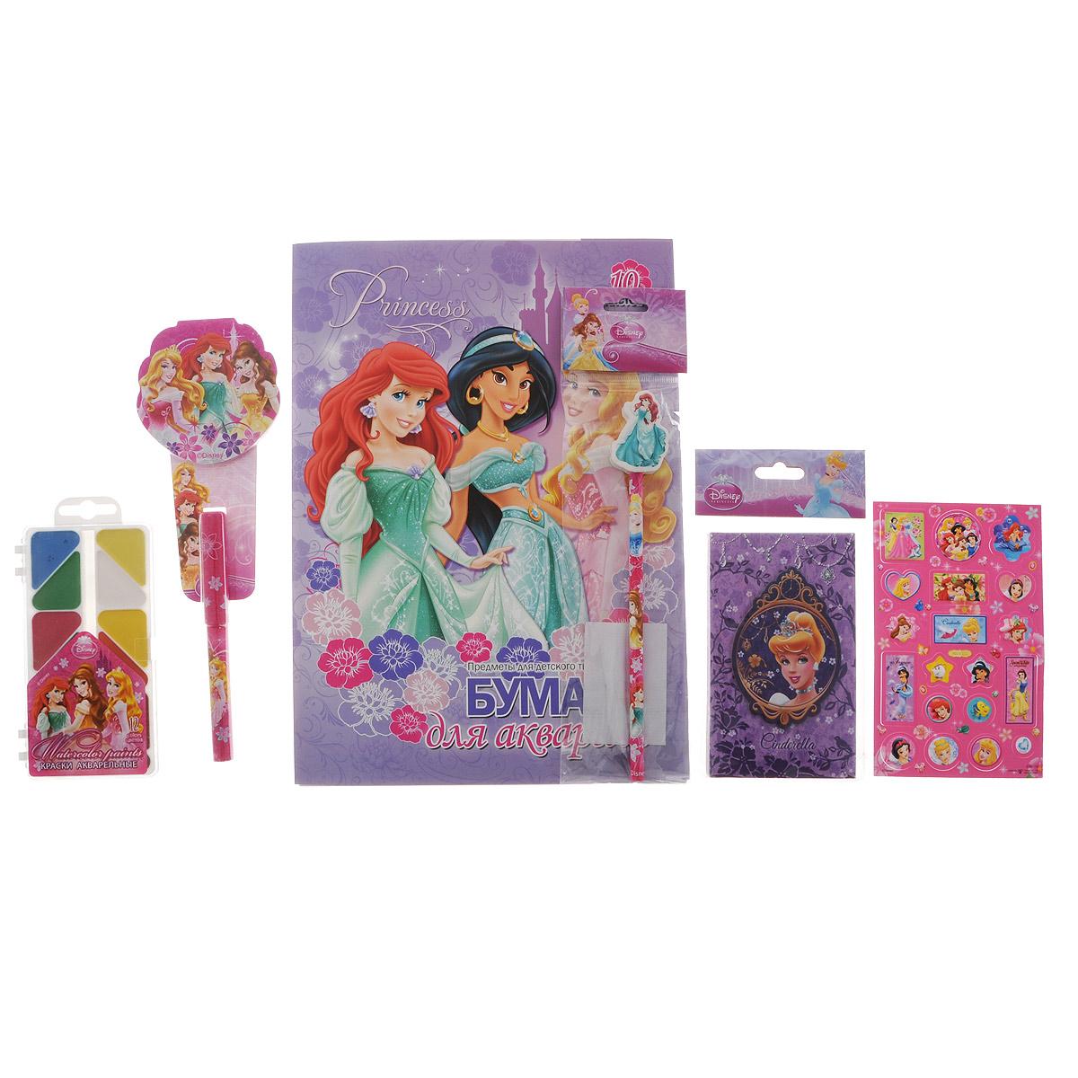 Подарочный канцелярский набор Disney Princess. PRСZ-US1-AZ15-BOX2Нп4_10882Канцелярский набор Disney Princess станет незаменимым атрибутом в учебе любой школьницы.Он включает в себя 10 листов бумаги для акварели, чернографитный карандаш с ластиком, телефонную книжку, лист с объемными стикерами, акварельные краски в футляре (12 цветов), небольшой блокнотик и ручку.Все предметы набора оформлены изображениями диснеевских принцесс. Упакован набор в картонную подарочную упаковку. УВАЖАЕМЫЕ КЛИЕНТЫ! Обращаем ваше внимание на возможные изменения в дизайне предметов набора, связанные с ассортиментом продукции. Поставка осуществляется в зависимости от наличия на складе.