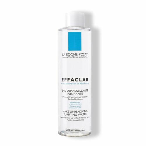 La Roche-Posay Жидкость очищающая для снятия макияжа для комбинированной и жирной кожи Effaclar 200 мл7164691Мицеллярный водный раствор мягко очищает, выравнивает кожу. Борется с образованием комедонов. Оказывает антибактериальное действие. Термальная вода La Roche-Posay (92%) устраняет раздражение, увлажняет кожу. Используется для очищения кожи лица и шеи без воды.