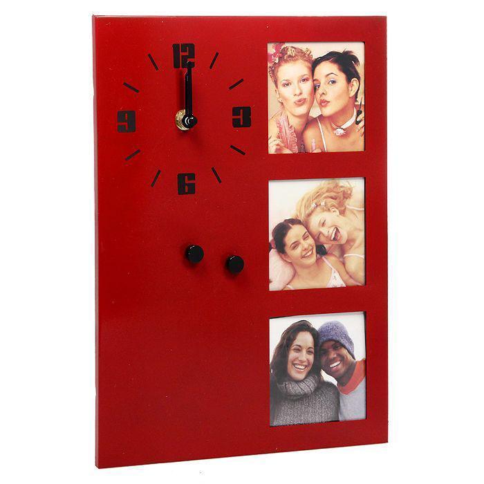 Фоторамка с часами на 3 фотографии, 7,5 х 7,5 см, цвет: красный. 148201ES-412Оригинальная фоторамка для 3 фотографий выполнена из алюминия. Слева фоторамки находятся кварцевые часы с арабскими цифрами и двумя стрелками: минутной и часовой. Такую фоторамку можно повесить или поставить в любое понравившееся вам место. Фоторамка с часами отлично дополнит ваш интерьер или послужит отличным подарком.