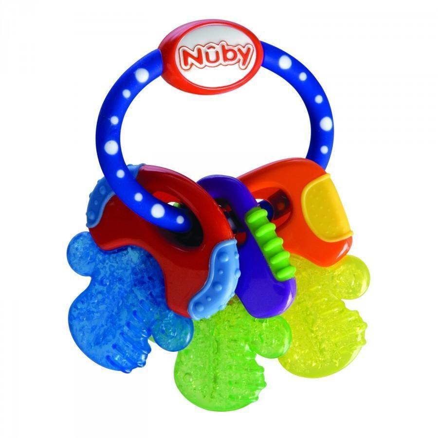 Новый прорезыватель Nuby - инновационная разработка, предназначенная как для тренировки мелкой моторики руки и стимуляции слуховых и зрительных функций ребенка, так и для использования в качестве прорезывателя. Цветная игрушка с различной текстурной поверхностью помогает малышу активно познавать мир. Гладкая поверхность путем стимулирования десен способствует появлению зубов. Мягкая сторона способствует укреплению молочных зубов и стимулированию десен.