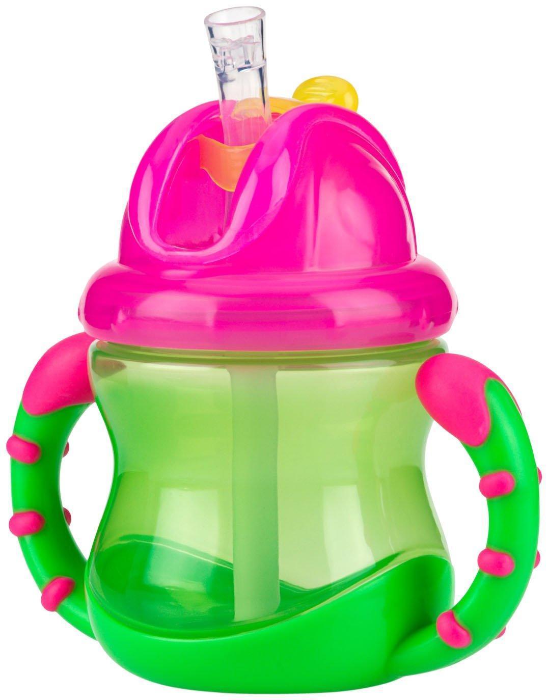 Новая мягкая трубочка для питья не причиняет беспокойства нежным деснам и защищает зубки ребенка. Трубочка прикрыта отщелкивающимся колпачком, удобным в использовании. Уникальная разработка защищает трубочку для питья от загрязнений в перерывах между использованием. Подходит для путешествий и коротких поездок. Отщелкивающийся колпачок сохраняет трубочку в чистоте. Когда ребенок захочет пить, он сможет без труда открыть колпачок при помощи щелчка; при этом колпачок отбрасывается назад и не падает с крышки. Благодаря запатентованному встроенному клапану, жидкость поступает в трубочку только в момент питья. Эргономичный поильник, с прорезиненными ручками, удобен в использовании как для родителей, так и для очень маленьких детей.