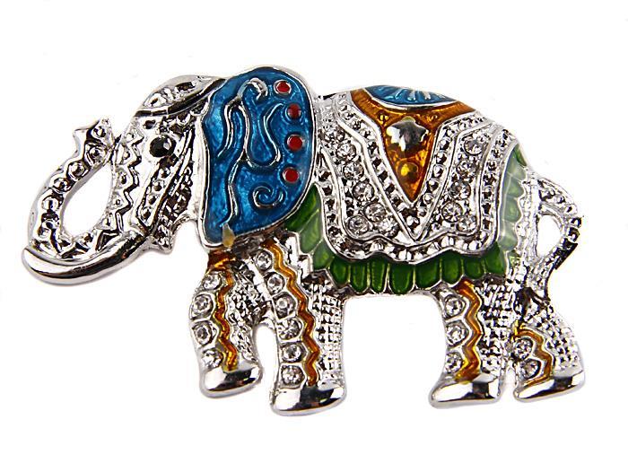 Брошь Королевский слон. Металл, эмали, австрийские кристаллы. Конец XX века39894 Брошь-камеяБрошь Королевский слон. Металл, эмали, австрийские кристаллы. Западная Европа, конец XX века.Размеры 5,8 х 3,8 см. Сохранность хорошая. Очаровательная яркая брошь, выполненная в виде сказочного слона. Аксессуаринкрустирован целой россыпью мелких сверкающих страз, украшен цветными эмалями.Эта изысканная брошь станет стильным украшением для романтичной и творческой натуры и гармонично дополнит Ваш наряд, станет завершающим штрихом в создании образа.