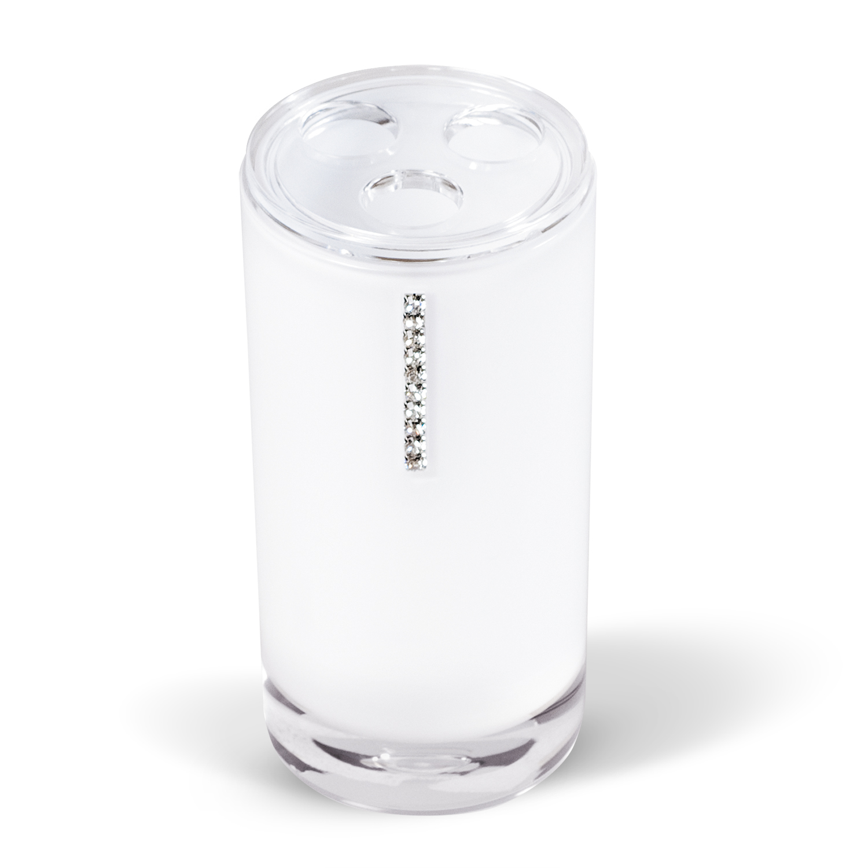 Стакан для зубных щеток Tatkraft Diamond White, цвет: белый1092019Стакан для зубных щеток Diamond White изготовлен из акрила белого цвета и украшен стразами. Стакан имеет три отверстия для зубных щеток. Зубная щетка легко загрязняется, поэтому ее следует содержать в абсолютной чистоте. Хранение зубных щеток в специальном стакане заметно снижает количество микроорганизмов в самой щетке, а щетинки сохраняют свою твердость и форму. Стакан Diamond White сохранит ваши зубные щетки и станет стильным аксессуаром, который украсит интерьер ванной комнаты. Характеристики:Материал: акрил, стразы. Диаметр стакана: 6,2 см. Высота стакана: 13,5 см. Размер упаковки: 6,2 см х 6,2 см х 13,5 см.
