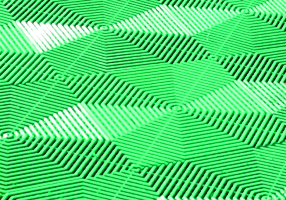 Плитка для пола Helex, цвет: зеленый, 40 см х 40 см х 1,8 см, 6 штK100Плитка для пола Helex - модульное напольное покрытие, изготовленное из высококачественного материала, основой для которого служат высокомолекулярные соединения (полимеры). Покрытие имеет повышенную жесткость, износостойкость и механическую прочность (выдерживает нагрузку до 25 тонн на кв.м.) и с легкостью выдерживает любой автомобиль. Материал покрытия устойчив как к отрицательным (-25°С), так и к положительным (+70°С) температурам, не теряет свой цвет под солнцем в течение многих лет. Оригинальный узор на плитке под разным углом зрения каждый раз создает впечатление нового рисунка в вашем саду. Увеличенный размер плитки по сравнению со стандартным повышает ее надежность и прочность под тяжестью любых предметов. Такое покрытие может использоваться для обустройства парковочных площадок около загородных домов, площадок перед беседкой или баней, садовых и прогулочных дорожек, детских и спортивных площадок, стационарных и переносных бассейнов, площадок барбекю, зон отдыха и зон в ландшафтном дизайне. Плитка легко монтируется и разбирается без какого-либо инструмента и крепежа. Укладывается на любую ровную поверхность. В комплекте 6 плиток, рассчитанных на покрытие 1 кв.м. Инструкция по монтажу на упаковке. Размер одной плитки: 40 см x 40 см x 1,8 см. Стабильность: от -25°C до +70°C. Давление: до 25 тонн на кв.м. Сопротивление: кислоты, щелочь. Плиток в 1 кв.м.: 6 шт.