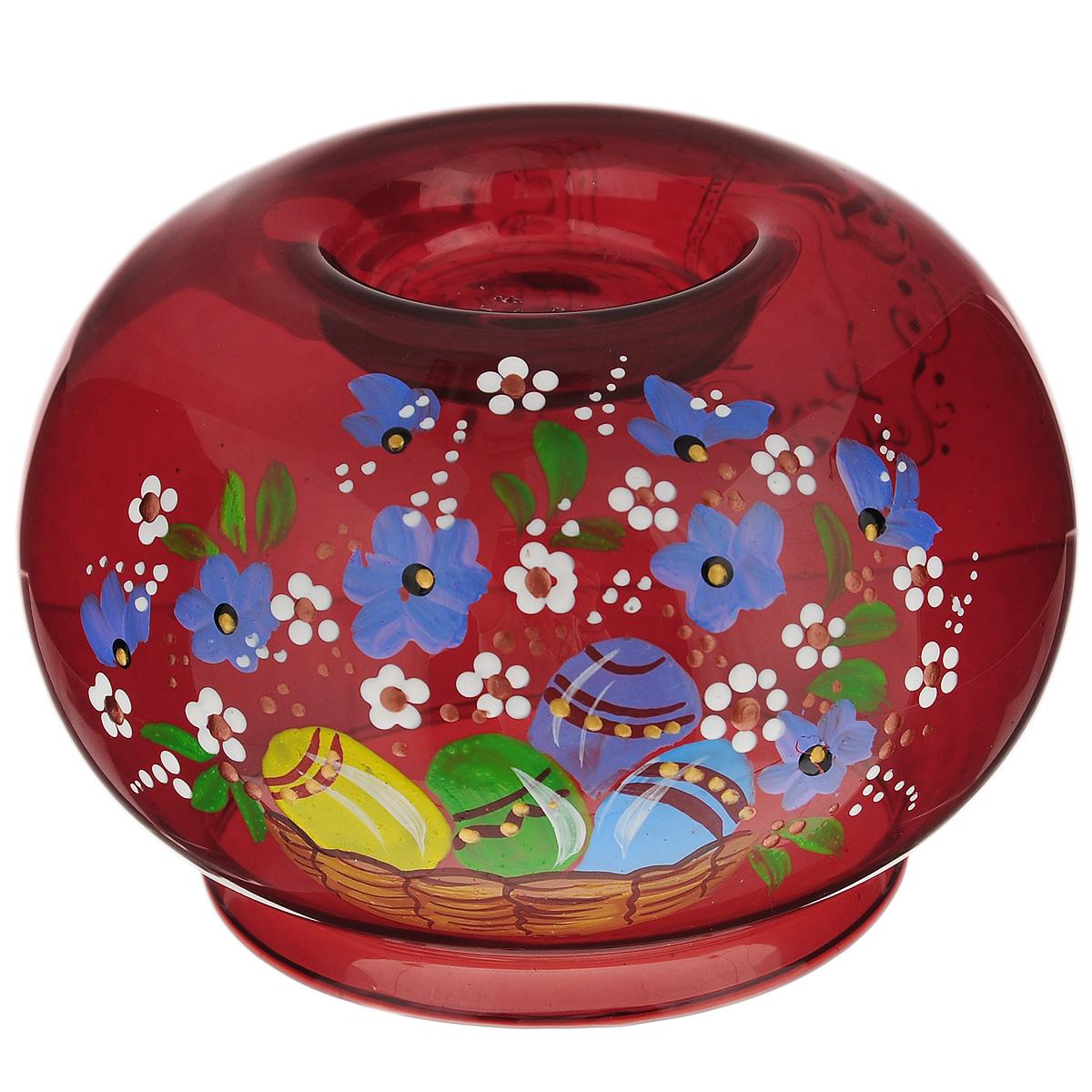 Подсвечник Sima-land Пасха-2, цвет: красный. 196292FS-80299Подсвечник Sima-land Пасха-2 идеально подойдет для праздничного оформления дома. Подсвечник выполнен из стекла красного цвета и украшен пасхальным рисунком. В центр изделия помещается свеча-таблетка (не входит в комплект). Зажгите свечку, поставьте ее в подсвечник и наслаждайтесь теплом, которое наполнит ваше сердце. Пасхальный декоративный подсвечник украсит интерьер вашего дома. Оригинальный дизайн и красочное исполнение создадут праздничное настроение. Кроме того, это отличный вариант подарка для ваших близких и друзей. Размер подсвечника: 11 см х 11 см х 7,5 см. Диаметр отверстия для свечи: 7,5 см.