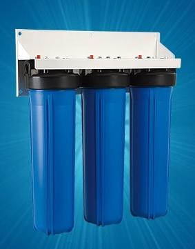 Корпус для стационарного магистрального фильтра Гейзер 3И 20ВВ (БА) без картриджа3520Трехступенчатый стационарный фильтр повышенной производительности Гейзер 3И 20ВВ (без картриджей). Устанавливается непосредственно на магистраль холодного водоснабжения на входе дачи, дома, коттеджа. Предназначен для размещения сменных картриджей стандарта Big Blue 20. Перечень картриджей Гейзер, подходящих к корпусам 20ВВ: РР-20ВВ, PYP-20BB, БА-20ВВ, Fe-20BB, БС-20ВВ, Арагон-3 20ВВ, КУ-20ВВ, СВС-20ВВ, ММВ-20ВВ, БАФ-20ВВ. Дополнительная информация: Корпус фильтра выполнен из прочного пластика. Тип корпуса – Big Blue 20 (диаметр используемых картриджей 114-17 мм). Гарантия 3 года.