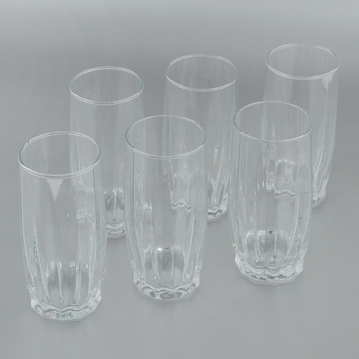 Набор стаканов для коктейлей Pasabahce Dance, 320 мл, 6 штVT-1520(SR)Набор Pasabahce Dance состоит из шести стаканов, изготовленных из прочного натрий-кальций-силикатного стекла. Изделия, предназначенные для подачи коктейлей, воды, сока и других напитков, несомненно придутся вам по душе. Стаканы, оснащенные рельефной многогранной поверхностью, сочетают в себе элегантный дизайн и функциональность. Благодаря такому набору пить напитки будет еще вкуснее. Набор стаканов Pasabahce Dance идеально подойдет для сервировки стола и станет отличным подарком к любому празднику.Можно мыть в посудомоечной машине и использовать в микроволновой печи. Диаметр стакана по верхнему краю: 6 см.Высота стакана: 14 см.