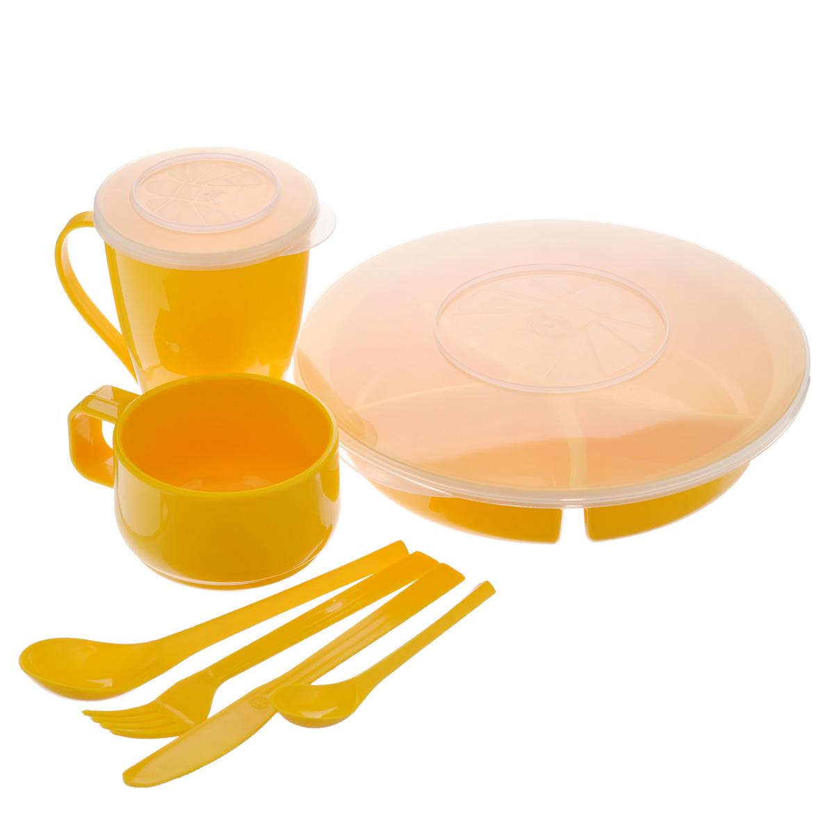 Набор посуды Solaris Вахтовый метод, цвет: желтый, на 1 персонуSPIRIT ED 8420Компактный набор посуды Solaris Вахтовый метод, выполненный из качественного полипропилена, в удобной виниловой сумке с ручкой и молнией.Свойства посуды:Посуда из ударопрочного пищевого полипропилена предназначена для многократного использования. Легкая, прочная и износостойкая, экологически чистая, эта посуда работает в диапазоне температур от -25°С до +110°С. Можно мыть в посудомоечной машине. Эта посуда также обеспечивает:Хранение горячих и холодных пищевых продуктов;Разогрев продуктов в микроволновой печи;Приготовление пищи в микроволновой печи на пару (пароварка);Хранение продуктов в холодильной и морозильной камере;Кипячение воды с помощью электрокипятильника.Состав набора:Менажница с герметичной крышкой;Чашка для супа с герметичной крышкой, объем 0,5 л;Чашка объемом 0,28 л;Вилка;Ложка столовая;Нож;Ложка чайная.Диаметр менажницы: 22,5 см.Высота менажницы: 5 см.Диаметр чашки для супа по верхнему краю: 9,2 см.Диаметр дна чашки для супа: 5,7 см.Высота чашки для супа: 12,5 см.Диаметр чашки по верхнему краю: 9,3 см.Диаметр дна чашки: 6 см.Высота чашки: 6,5 см.Длина ложки: 19 см.Длина вилки: 19 см.Длина ножа: 19 см.Длина чайной ложки: 13,5 см.