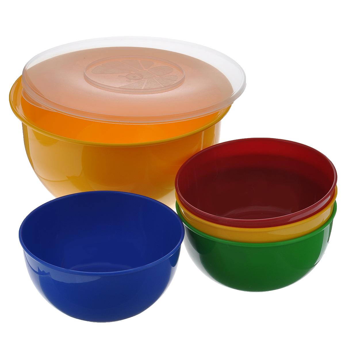 Набор посуды Solaris, 5 предметов41254413В состав набора Solaris входит 4 универсальные миски и большая миска с герметичной крышкой. Большую миску можно использовать как пищевой контейнер, для приготовления салата, мариновки шашлыка и т.п.Свойства посуды:Посуда из ударопрочного пищевого полипропилена предназначена для многократного использования. Легкая, прочная и износостойкая, экологически чистая, эта посуда работает в диапазоне температур от -25°С до +110°С. Можно мыть в посудомоечной машине. Эта посуда также обеспечивает:Хранение горячих и холодных пищевых продуктов;Разогрев продуктов в микроволновой печи;Приготовление пищи в микроволновой печи на пару (пароварка);Хранение продуктов в холодильной и морозильной камере;Кипячение воды с помощью электрокипятильника.Объем большой миски: 3 л.Диаметр большой миски: 22,5 см.Высота большой миски: 12,7 см.Объем небольших мисок: 0,6 л.Диаметр небольших мисок: 15,3 см.Высота небольших мисок: 7,5 см.