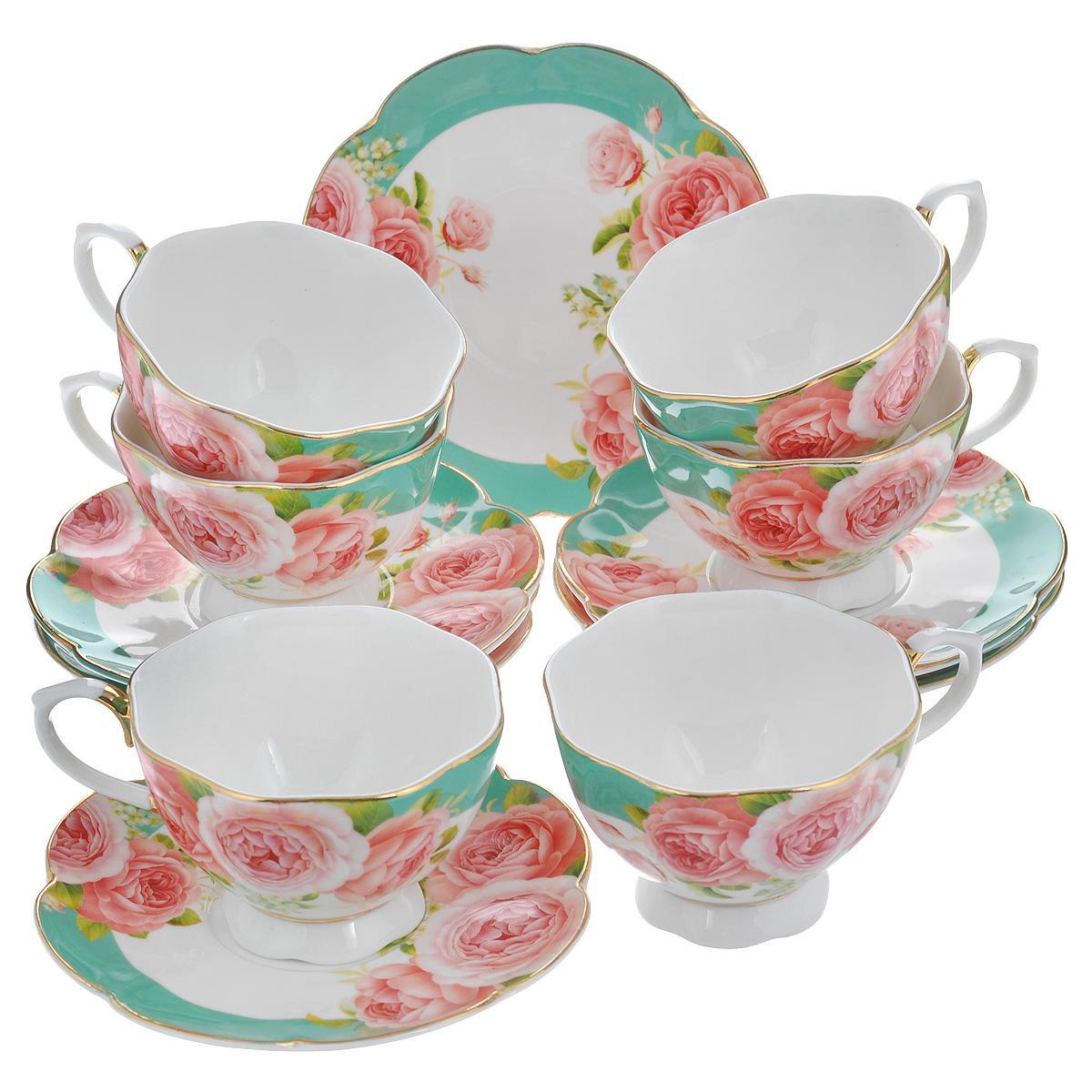 Набор чайный Korall Пионы, 12 предметовVT-1520(SR)Чайный набор Korall Пионы состоит из шести чашек и шести блюдец. Предметы набора, изготовленные из высококачественного фарфора, украшены красочным изображением пионов и золотистой окантовкой. Чашки оснащены изящными ручками. Элегантный дизайн набора придется по вкусу и ценителям классики, и тем, кто предпочитает утонченность и изысканность. Он настроит на позитивный лад и подарит хорошее настроение с самого утра. Изделия упакованы в круглую подарочную коробку, задрапированную атласной тканью. Чайный набор Korall Пионы - идеальный и необходимый подарок для вашего дома и для ваших друзей в праздники, юбилеи и торжества. Объем чашки: 250 мл.Диаметр чашки (по верхнему краю): 10 см.Диаметр основания: 5,5 см.Высота чашки: 6,5 см.Диаметр блюдца: 15 см.