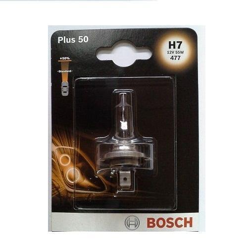 Лампа Bosch H7 Plus 50, 55Вт 198730104210503Новые лампы Bosch для галогенных фар освещают дорогу интенсивным белым светом, который очень близок по свойствам к дневному освещению.Благодаря этому глаза водителя не теряют фокусировки и меньше устают даже во время долгих поездок в темное время суток. Новые лампы отличаются высокой яркостью и могут давать до 50% больше света, чем стандартные галогенные фары. Лампы Bosch доступны в вариантах H1, H4 и H7. Серебряное покрытие ламп H4 и H7 делает их едва заметными за стеклами выключенных фар. Новые лампы выглядят наиболее эффектно в сочетании с фарами из прозрачного стекла и подчеркивают современный дизайн автомобилей. Увеличенная яркость и дальность освещения положительно сказывается на безопасности движения. В темное время суток или в сложных погодных условиях, таких как ливень или густой туман, водитель замечает опасную ситуацию намного раньше и на большем расстоянии, при этом лучше заметен и сам автомобиль с фарами Bosch. Напряжение: 12 вольт