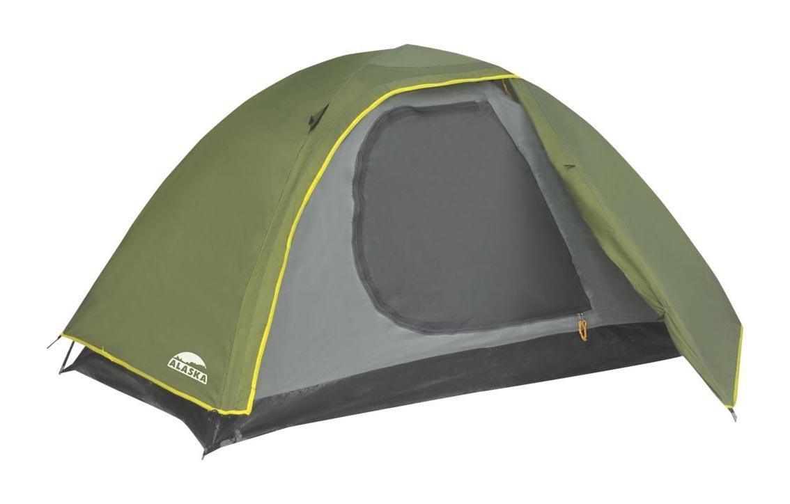 ALASKA Палатка Трек 3, цвет: олива. Арт.2609067742Бюджетная туристическая палатка Trek 3 от одного из ведущих мировых производителей Alaska отлично подойдет для отдыха на природе в теплое время года и в межсезонье. Легкий вес 2,9 кг и простота сборки сделали ее настоящим хитом продаж в своем ценовом сегменте. Установить палатку может даже неподготовленный путешественник в течение нескольких минут и без посторонней помощи. Основа этой трехместной палатки — две прочные и легкие фибергласовые дуги, укрепленные металлическими капсюлями в местах соединений. Они не ржавеют, не теряют своей прочности при длительном нагревании прямыми солнечными лучами и прекрасно противостоят порывам ветра. Для дополнительной устойчивости конструкции интернет-магазин «Моя Планета» рекомендует использовать штормовые оттяжки, поставляемые в комплекте. Палатка двухслойная: внешний тент выполнен из хорошо знакомого опытным туристам материала с влагоотталкивающим покрытием Poly Taffeta 190T PU 2000, готового выдержать натиск даже проливного дождя, внутренняя палатка — из Poly Taffeta 180T с дном из армированного тарпаулинга, не пропускающего воду и устойчивого к механическим повреждениям полиэтилена. Вход туристической палатки защищен от ветра и осадков широким клапаном на молнии и москитной сеткой, благодаря которой обеспечивается проветривание в теплое время года без риска проникновения внутрь назойливых кровососущих насекомых.Размер палатки: 200 x 180 x 110 см.Размер тента: 205 x (185+70) x 120 см.