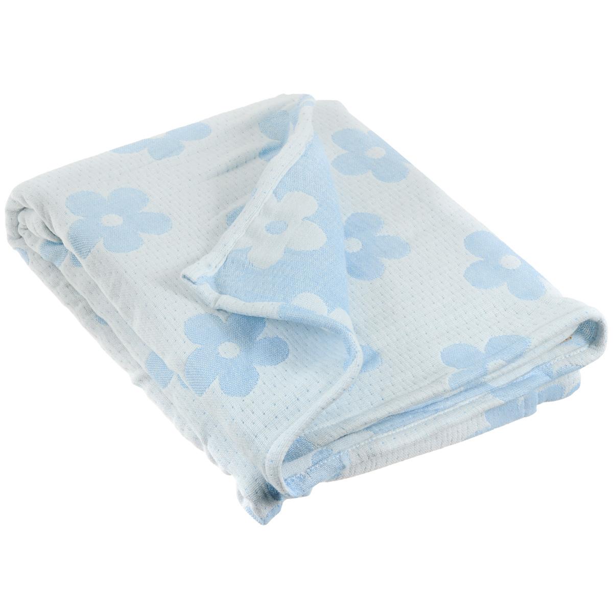 """Муслиновый плед-одеяло Baby Nice """"Цветы"""", изготовленный из мягкого натурального 100% хлопка, оформлен цветочным рисунком. Плед-одеяло для новорожденных из мягкого и дышащего муслинового хлопка идеально подходит для комфортного сна малыша. Состоит из четырех слоев дышащего муслина, которые помогут сохранить тепло собственного тела ребенка, предотвращая перегревание. Благодаря особой технологии переплетения нитей и специальной отделки пряжи, муслиновый плед приобрел улучшенную мягкость и гигроскопичность. Легкий и дышащий, эластичный и практичный, такой плед хорошо пропускает воздух, впитывает влагу и прекрасно отдает тепло. Он создаст вашему малышу ощущение свежести и комфорта. Муслиновый плед сохраняет свои свойства даже после многочисленных стирок, быстро сохнет и не требует глажки. Во время прогулки такой плед послужит легким одеялом в коляску."""
