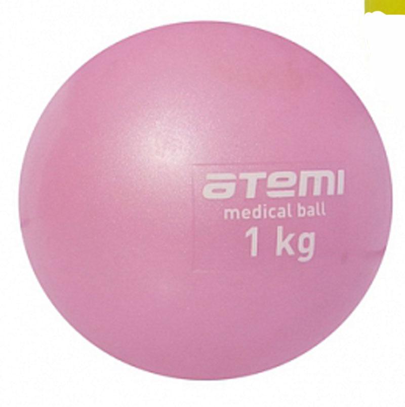 Медицинбол Atemi, цвет: розовый, диаметр 10 см, 1 кг233083Мягкий, утяжеленный мяч Atemi небольшого диаметра. Одинаково хорошо подходит для тренировки силы, баланса и координации. Анти-скользящая поверхность. Изготовлен из мягкого и приятного на ощупь ПВХ. В наполнении мяча песок.