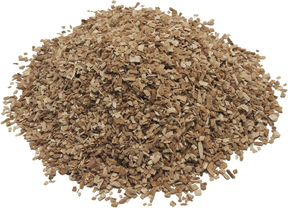 Щепа для копчения Boyscout Бук, 1 л115510Щепа Boyscou отлично подходит для копчения рыбы, сыров и мяса. Наиболее часто используется производителями мясных копченых деликатесов. Щепа бука Boyscout изготавливается из натурально древесины. Проста в использовании. Однородный состав позволяет добиться равномерного копчения, улучшая вкус и аромат готового продукта. Длительный срок хранения достигается за счет оптимальной влажности щепы.