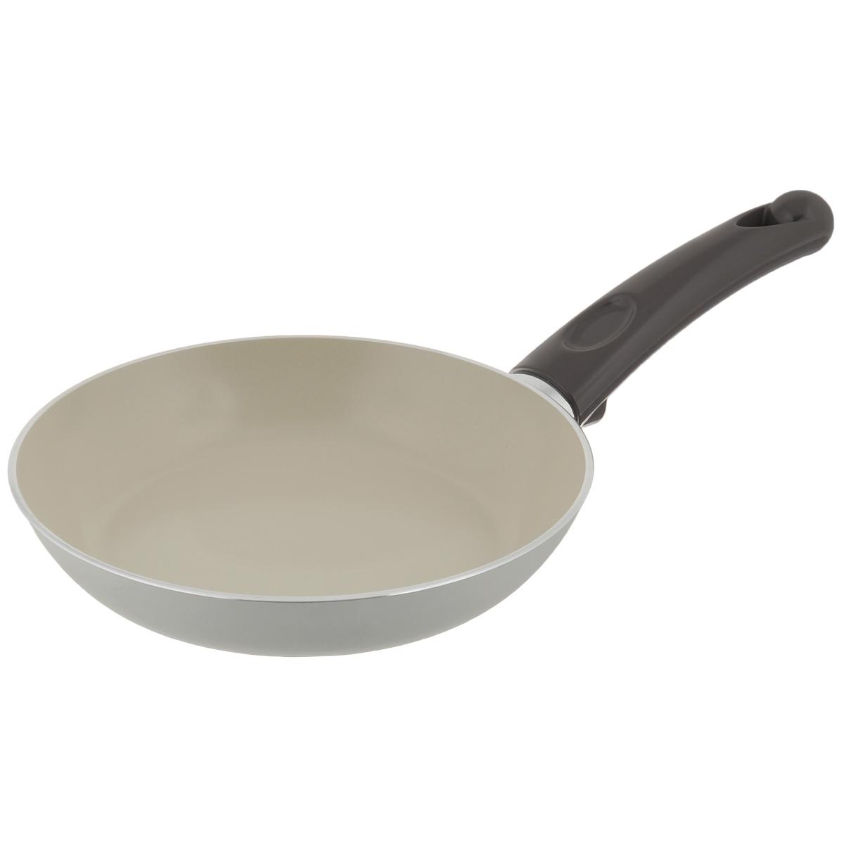 Сковорода TVS Bianca, с антипригарным покрытием, цвет: молочный. Диаметр 20 см391602Сковорода TVS Bianca выполнена из алюминия с внешним эмалированным покрытием молочного цвета и обладает превосходной теплопроводностью. Идеально подходит для жарки и тушения небольших порций блюд. Внутреннее антипригарное керамическое покрытие Ceramit позволяет готовить пищу с минимальным количеством масла.Эргономичная ручка, изготовленная из бакелита, имеет плавные формы, которые подчеркивают стиль сковороды.Сковорода TVS Bianca изготовлена из экологичных материалов, что делает ее пригодной для приготовления пищи детям.Подходит для всех видов плит, кроме индукционных.Можно мыть в посудомоечной машине.Коллекция посуды Bianca - серия кухонной посуды с керамическим покрытием Ceramit. Отличается своей экологичностью и непревзойденной непористой гладкой антипригарной поверхностью молочного цвета. Компания TVS была основана в 1968 году. Основными принципами, которых придерживается компания, являются экологическая безопасность производства, использование новейших материалов и технологий, а также всесторонний учет потребностей рынка. Посуда TVS (Италия) - это превосходное решение для любой современной кухни, способное создать по-настоящему комфортные условия для приготовления пищи. Диаметр сковороды: 20 см. Высота стенки: 3 см.