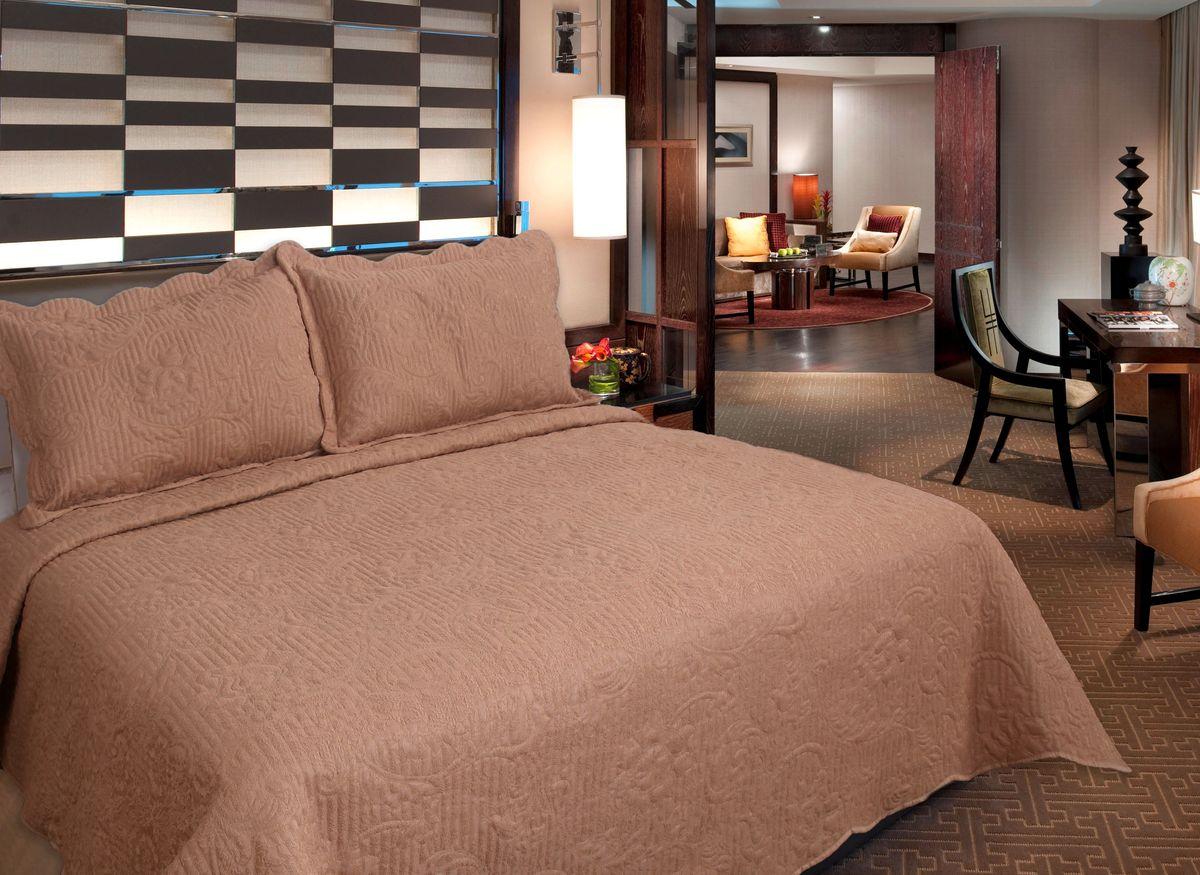 Комплект для спальни Buenas Noches Verona: покрывало 230 см х 250 см, 2 наволочки 50 см х 70 см, цвет: бежевый71753Комплект для спальни Buenas Noches состоит из покрывала и двух наволочек с воланами, выполненных из полиэстера. Это мягкая, прочная, износоустойчивая ткань, легко стирается и чистится. Именно поэтому она очень часто используется для домашнего текстиля. Полиэстер экологичен, гипоаллергенен, безопасен для детей и людей с аллергическими заболеваниями. Покрывала Buenos Noches - идеальное решение для вашего интерьера! Станьте дизайнером и создайте свой стиль! Buenos Noches - Элегантно, Стильно, Качественно! В ассортименте вы найдете постельное белье, пледы и покрывала. Вся продукция выполнена из тканей высшего качества с использованием стойких и безвредных красителей. В комплект входит: - Покрывало - 1 шт. Размер: 230 см х 250 см. - Наволочка - 2 шт. Размер: 50 см х 70 см.